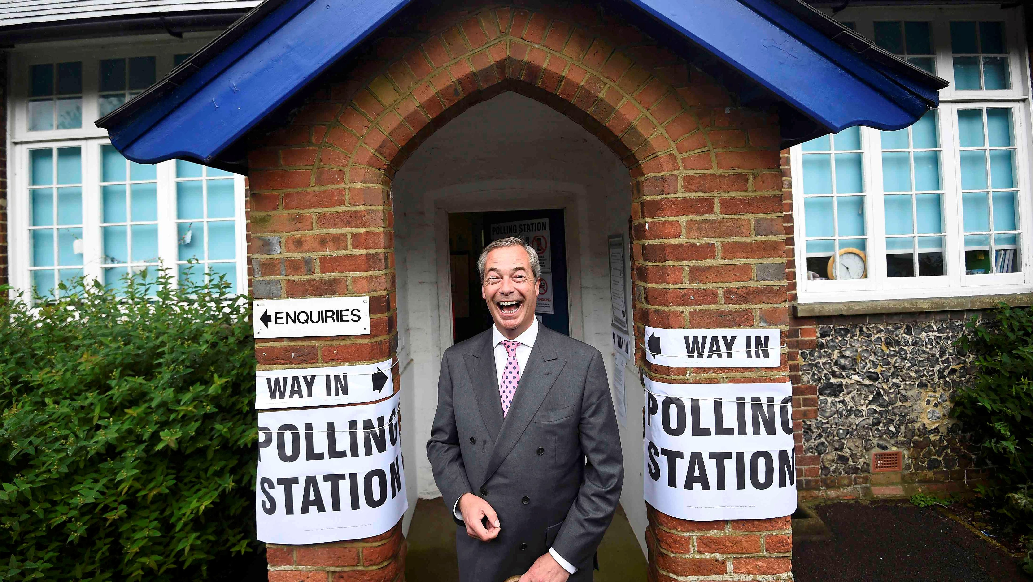 Nigel Farage, the leader of the United Kingdom Independence Party (UKIP), arrives to vote in the EU referendum, at a polling station in Biggin Hill, Britain June 23, 2016. REUTERS/Dylan Martinez/File Photo - RTX2I01Q