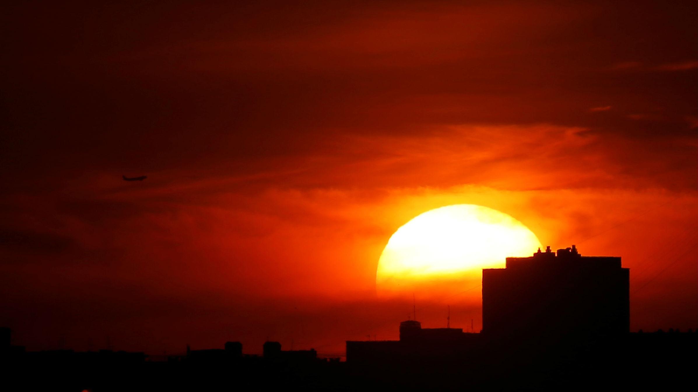 How Sunsets Produce Such Gorgeous Colors Quartz