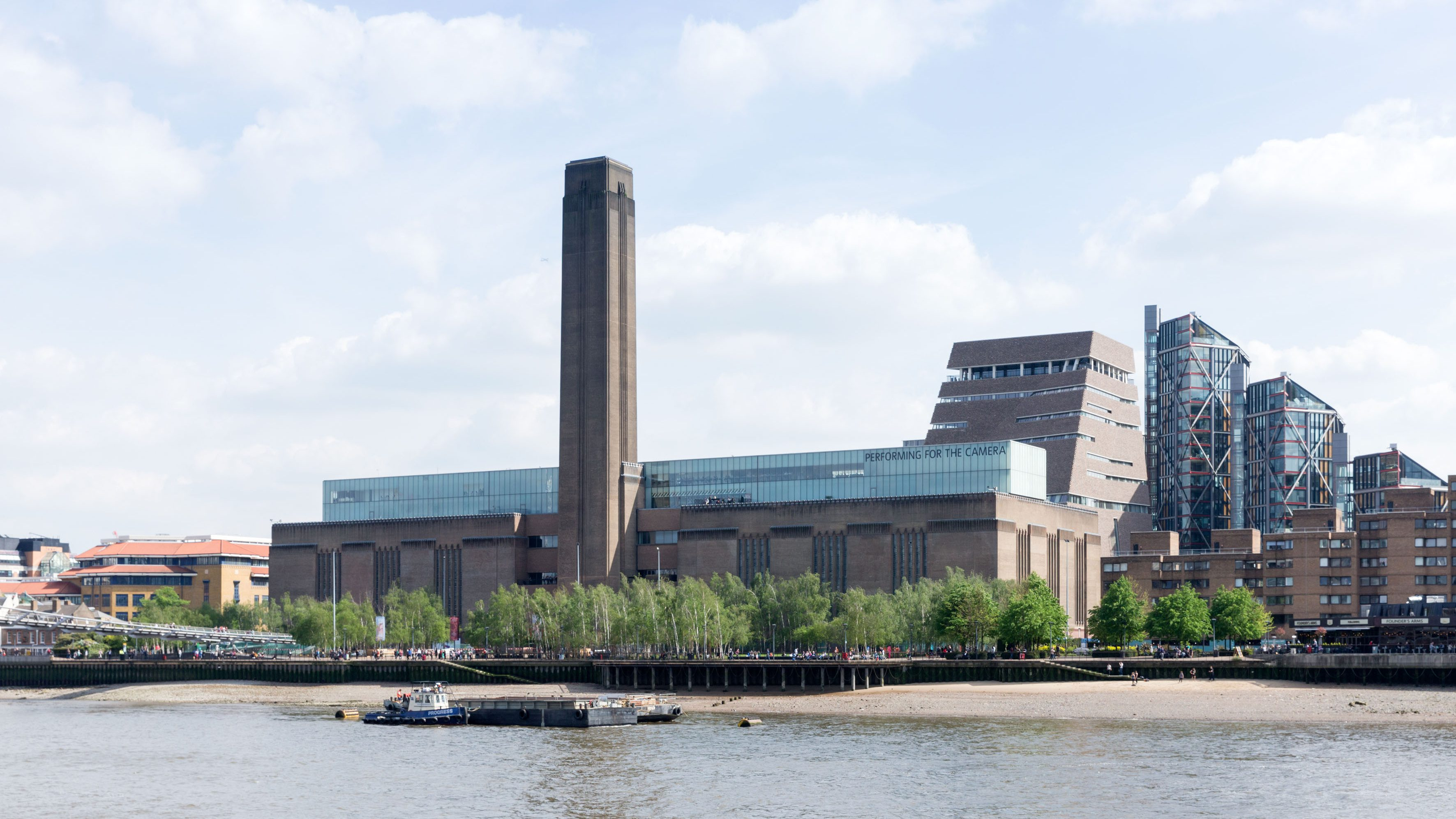 Photo of Tate Modern from across the river