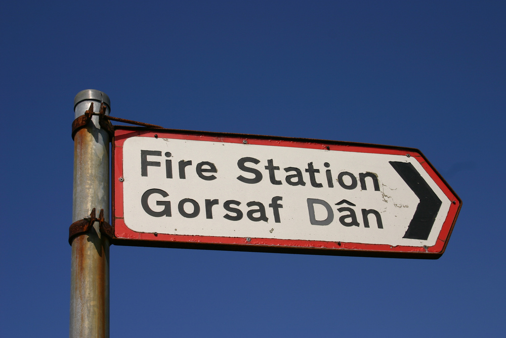Bilingual sign in Wales