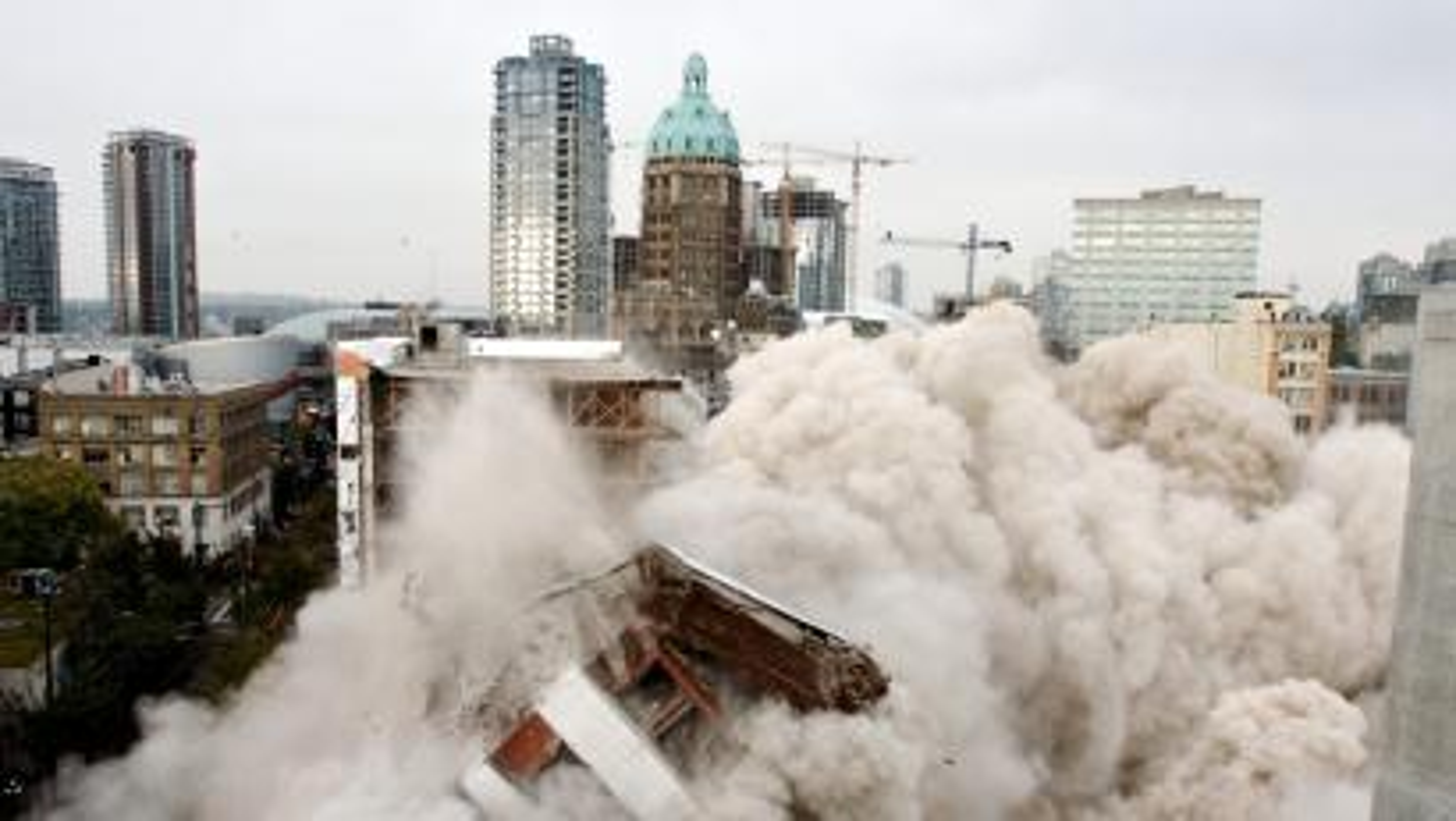 Woodwards_building_Vancouver_demolition_2