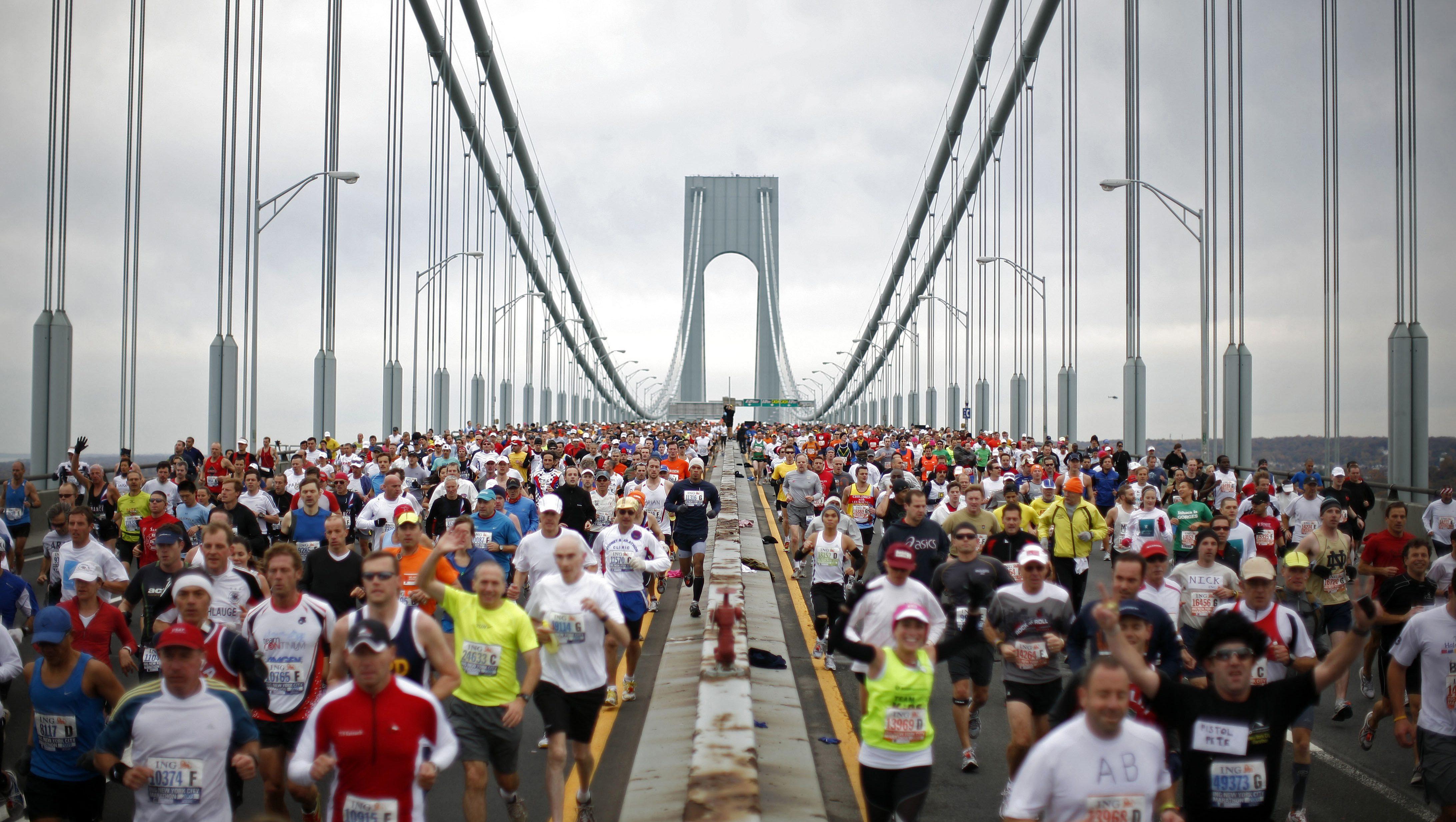 297c4daeb065f All of your marathon training questions answered by 100-time marathoner Hal  Higdon — Quartz