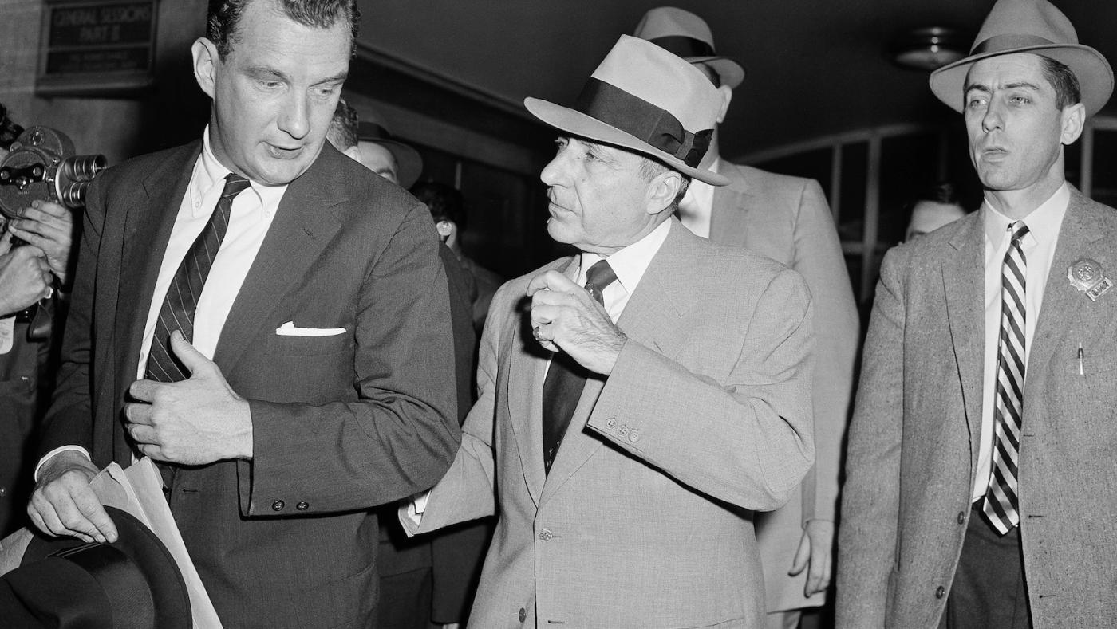 Feds: Acting boss of Bonanno crime family among 10