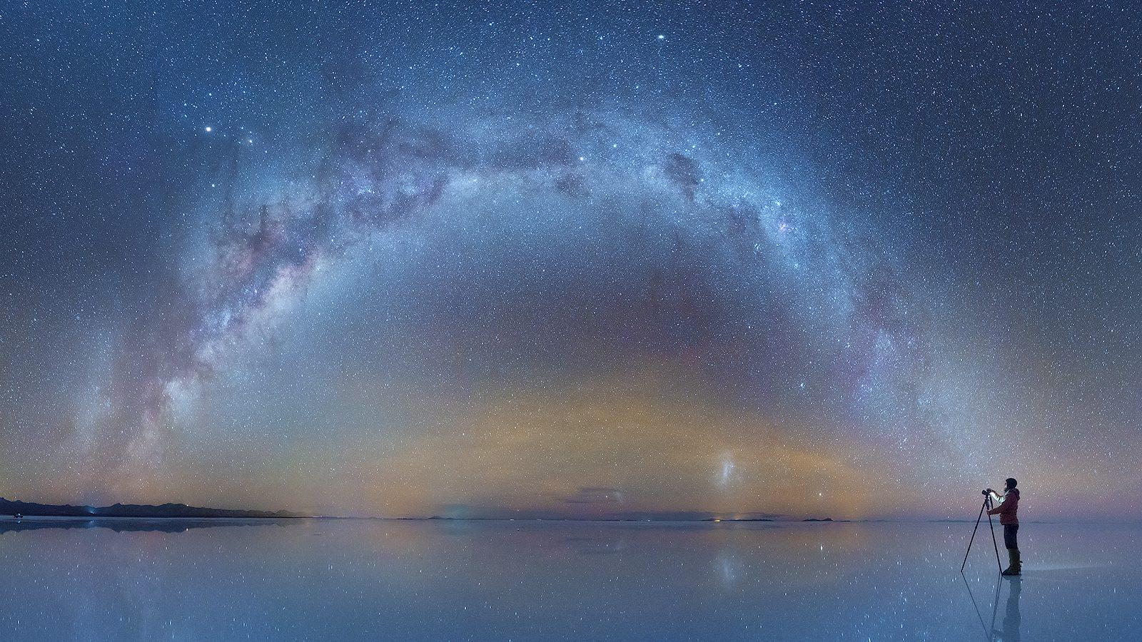 Photo: The Milky Way captured in Bolivia's Salar de Uyuni by a ...