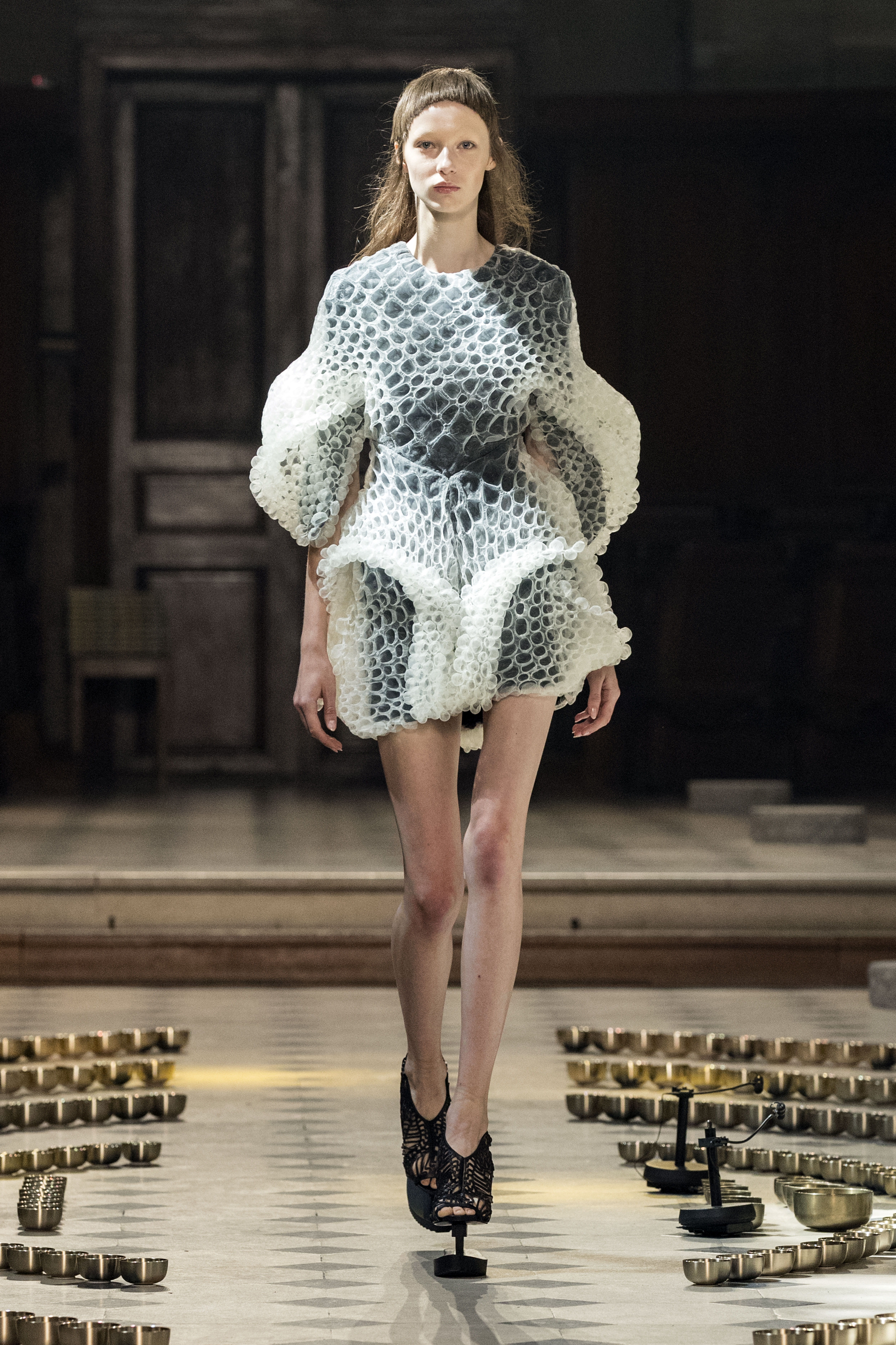 A model presents a creation from the Fall/Winter 2016/2017 Haute Couture collection by Dutch designer Iris Van Herpen during the Paris Fashion Week, in Paris, France, 04 July 2016. The presentation of the Haute Couture collections runs from 03 to 07 July. EPA/ETIENNE LAURENT