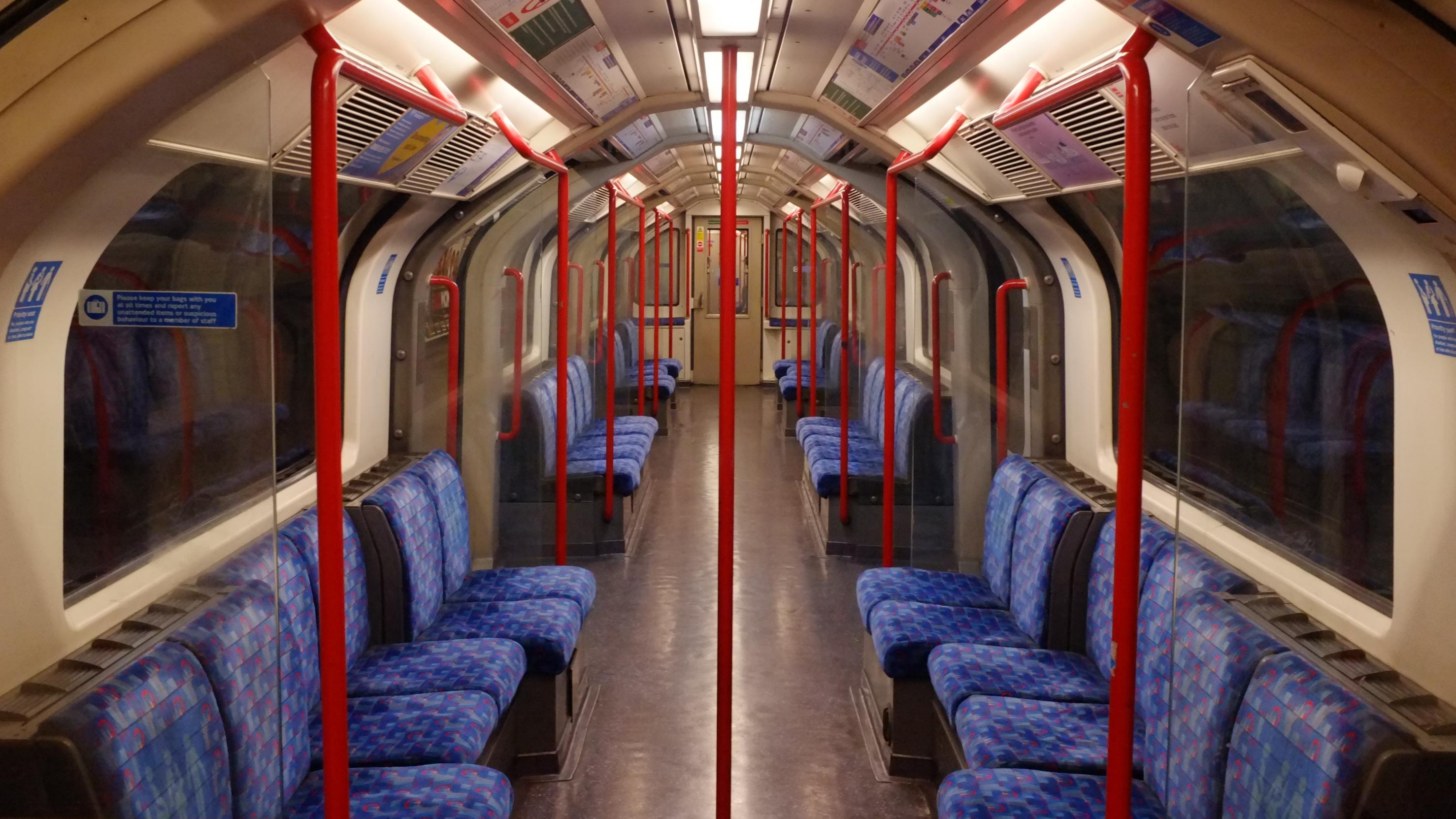 Empty-cars-on-the-London-Night-Tube