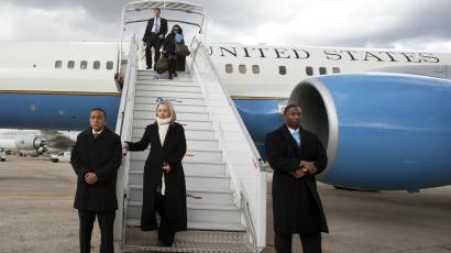 hillary with air force one