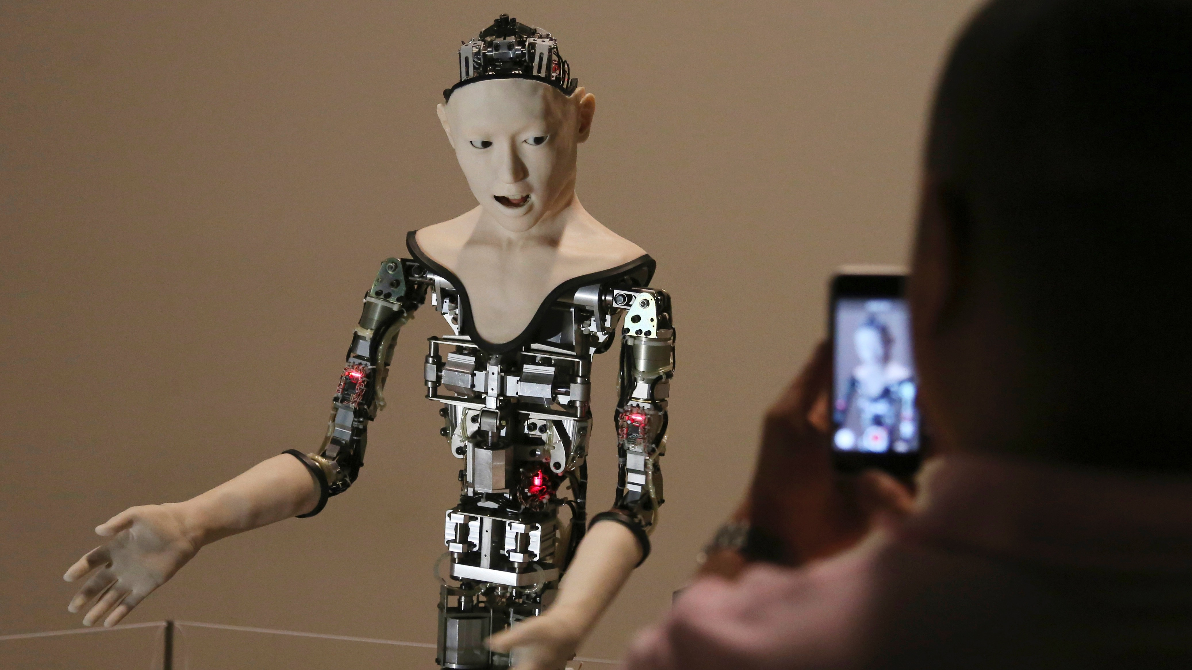 """Humanoid robot """"Alter"""" is displays at the National Museum of Emerging Science and Innovation in Tokyo, Monday, Aug. 1, 2016. (AP Photo/Koji Sasahara)"""