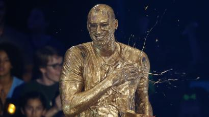 """Retired NBA basketball player Kobe Bryant reacts after he was """"slimed"""" after accepting the """"Legend"""" award at the Kids Choice Sport 2016 awards in Los Angeles, California U.S., July 14, 2016. REUTERS/Mario Anzuoni - RTSI0EV"""