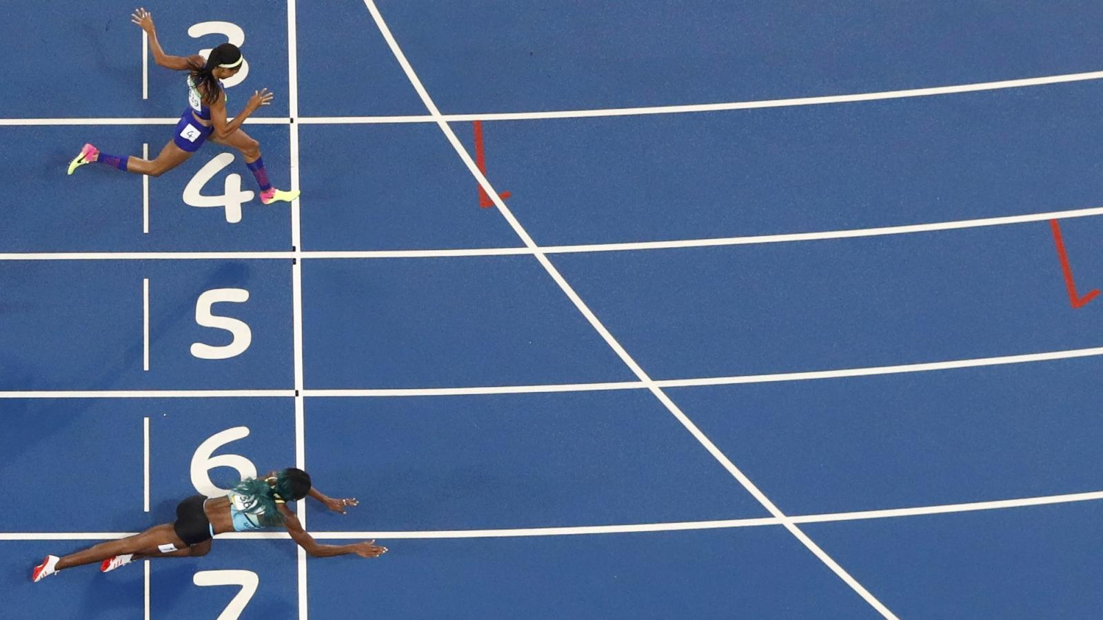 5932286bf867f Rio Olympics 2016: Why Shaunae Miller's dive across the finish line ...