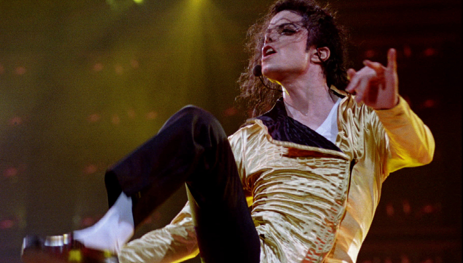 Pop superstar Michael Jackson during his second concert in Israel September 21 - RTXEZ72