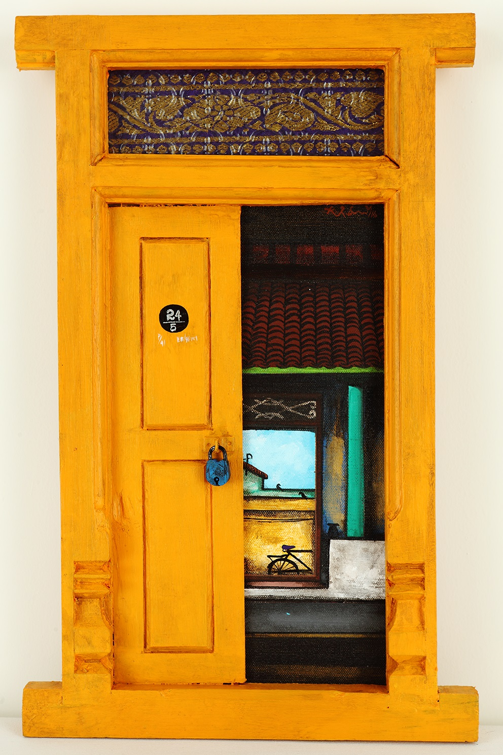 Santhanakrishnan-Indian-door-paintings & In photos: Indian artist KR Santhana Krishnan opens doors to a ...
