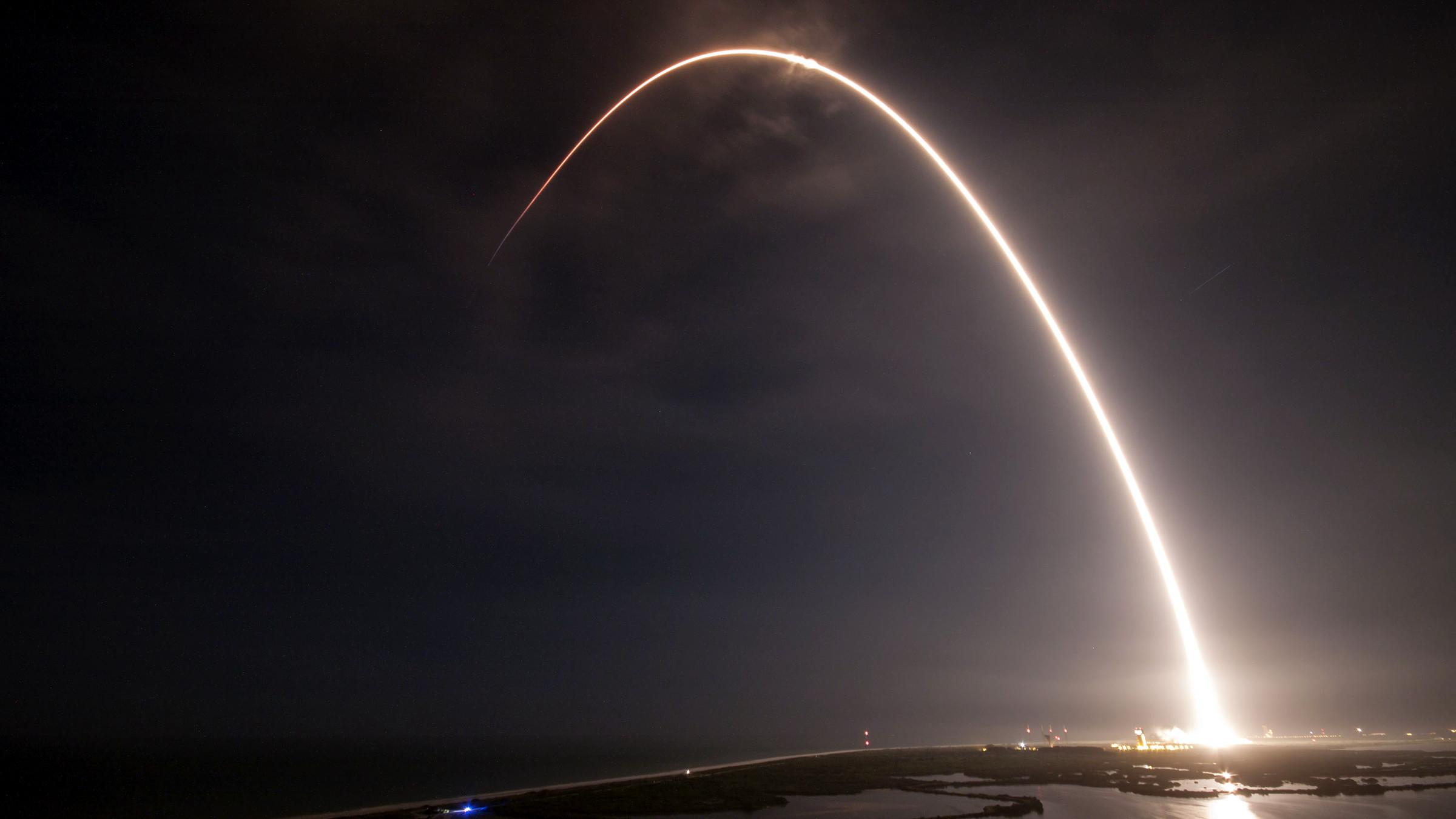 A SpaceX Falcon 9 carrying JCSAT-16 takes off on 8/14/16.