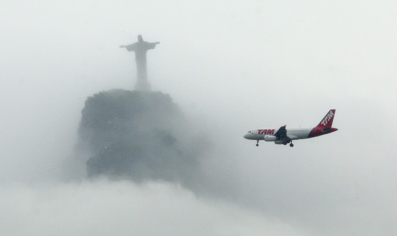 APTOPIX Brazil Airline Merger