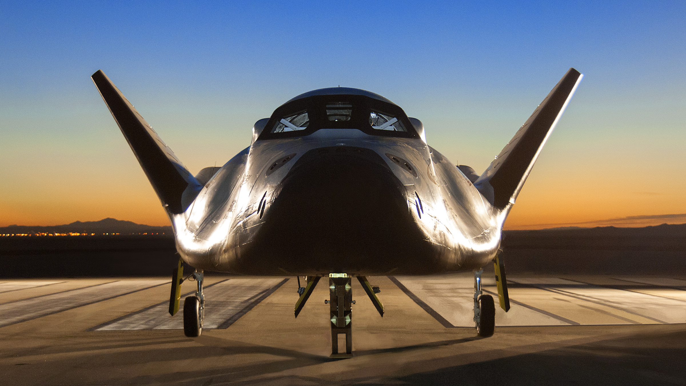 The Sierra Nevada Corporation's Dream Chaser spacecraft on the runway in 2014.