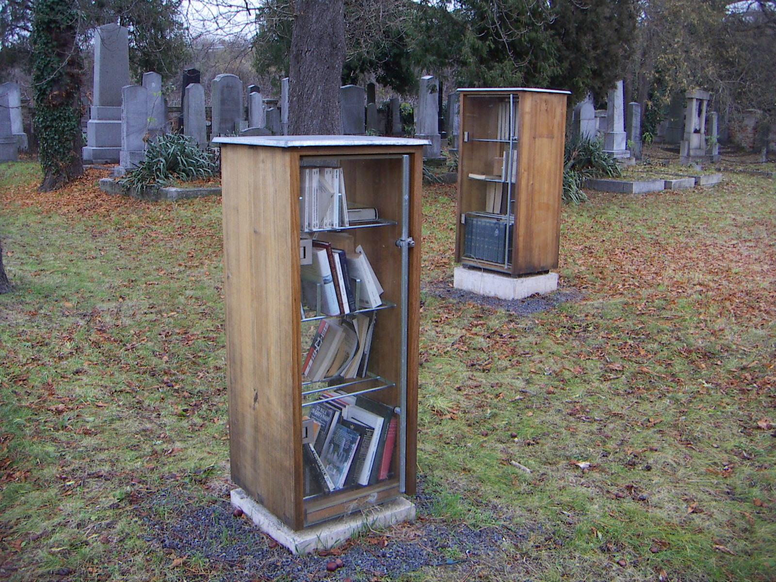 Najčudnije knjižnice na svijetu - Page 2 Jucc88discherfriedhofkrems-bibliothek-2007-11-24-pict01