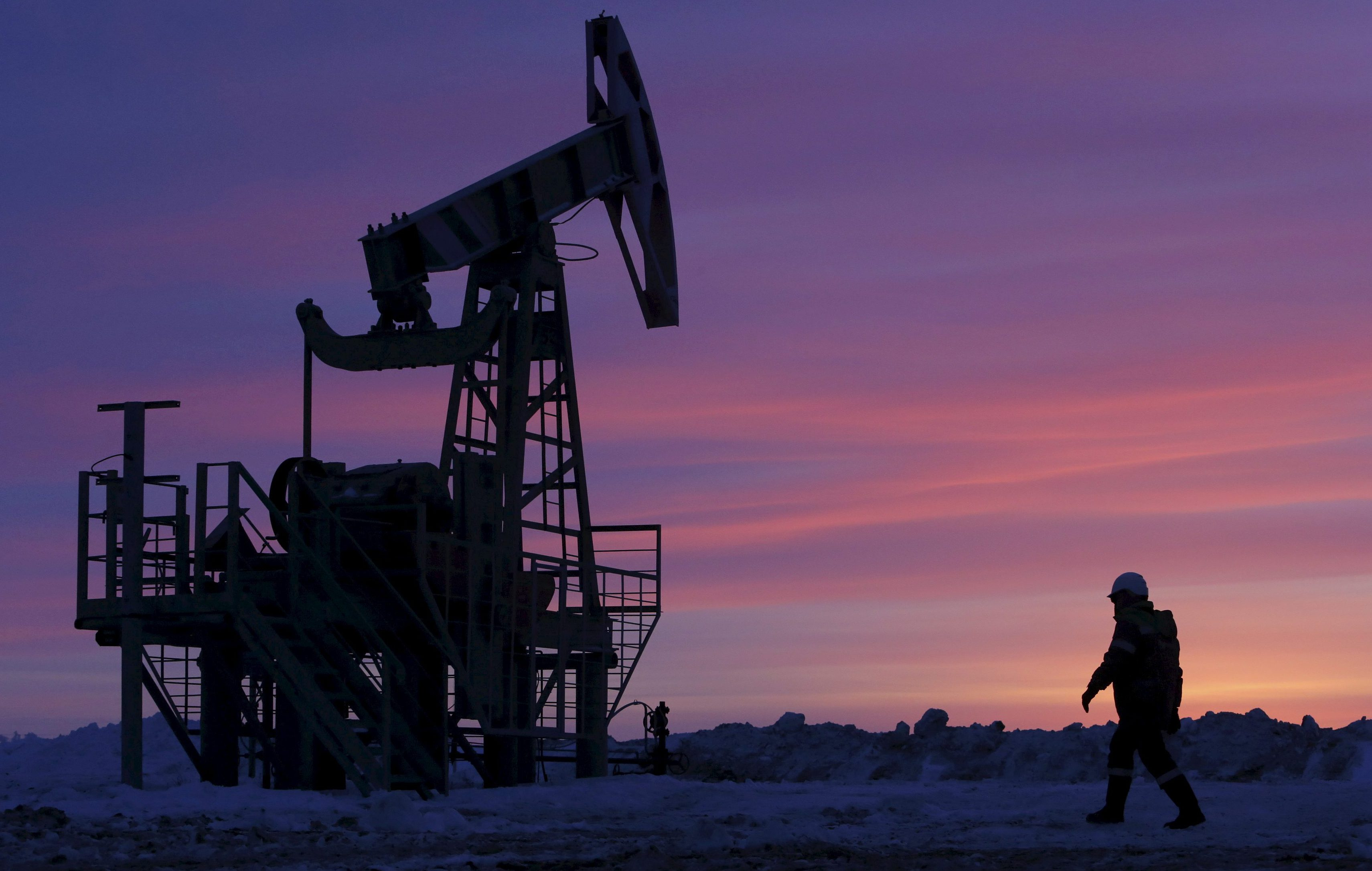A worker at an oil field owned by Bashneft, Bashkortostan, Russia, January 28, 2015.