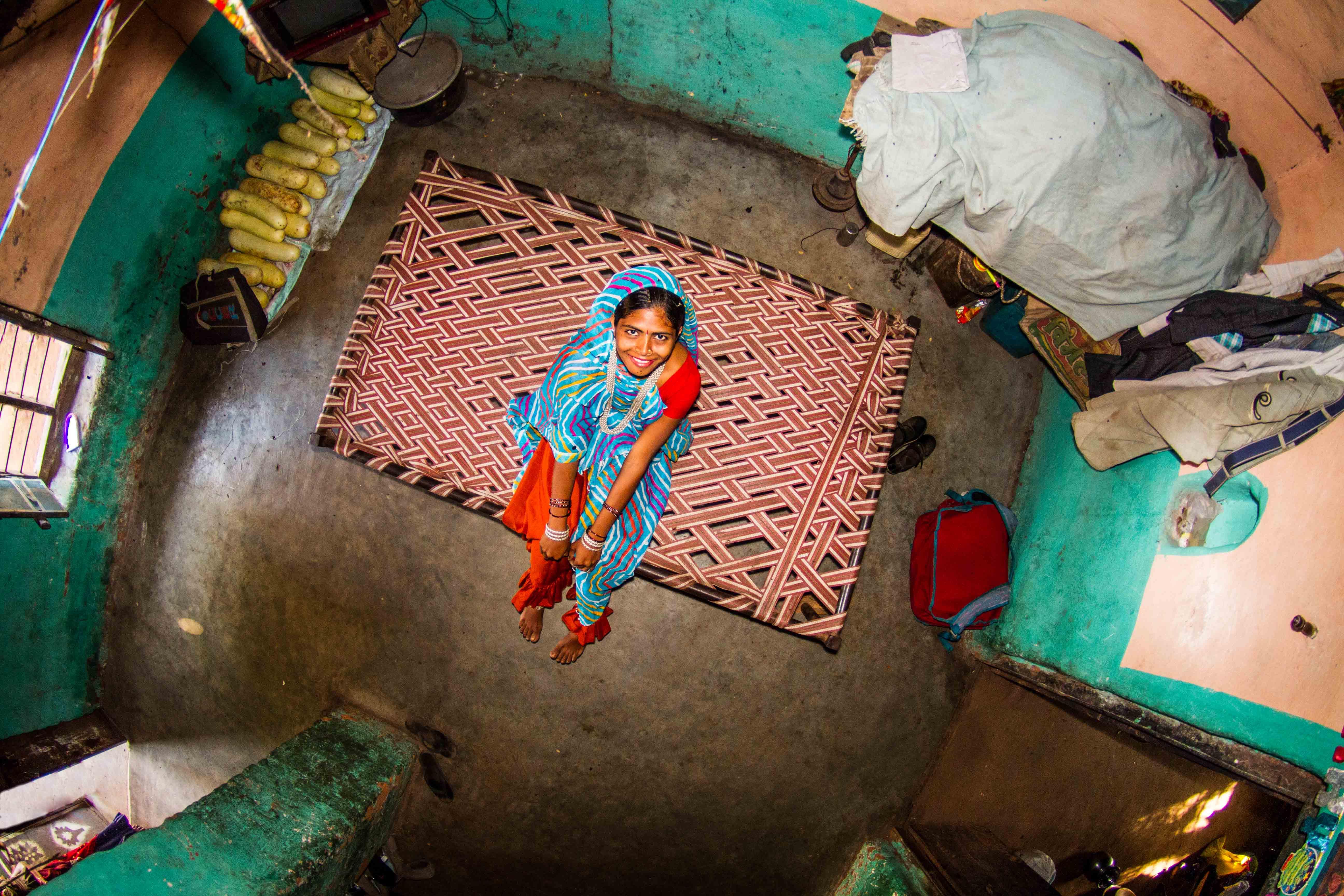Asha, housewife, 17 years old, Bamansemilya, India.