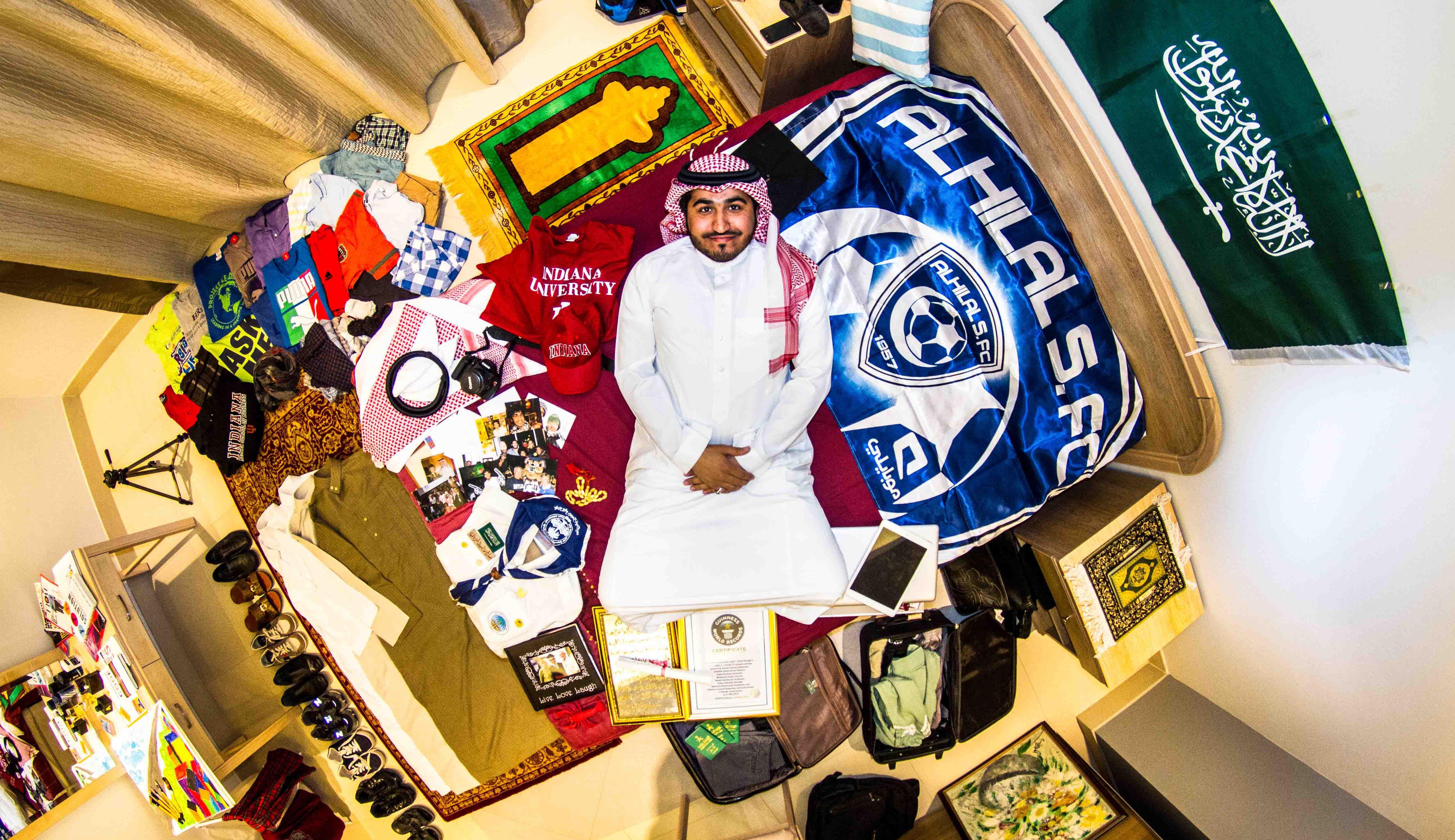 Saleh, human resources officer, 30 years old, Riyadh, Saudi Arabia.