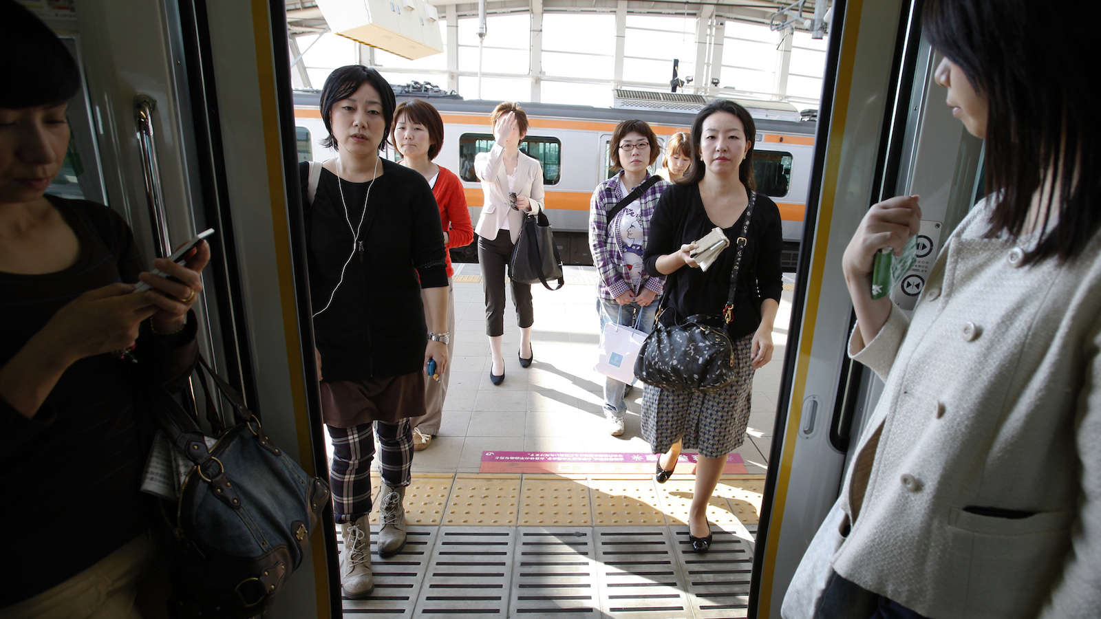 Japan is trying to encourage more women to enter the workforce—but for what benefit?