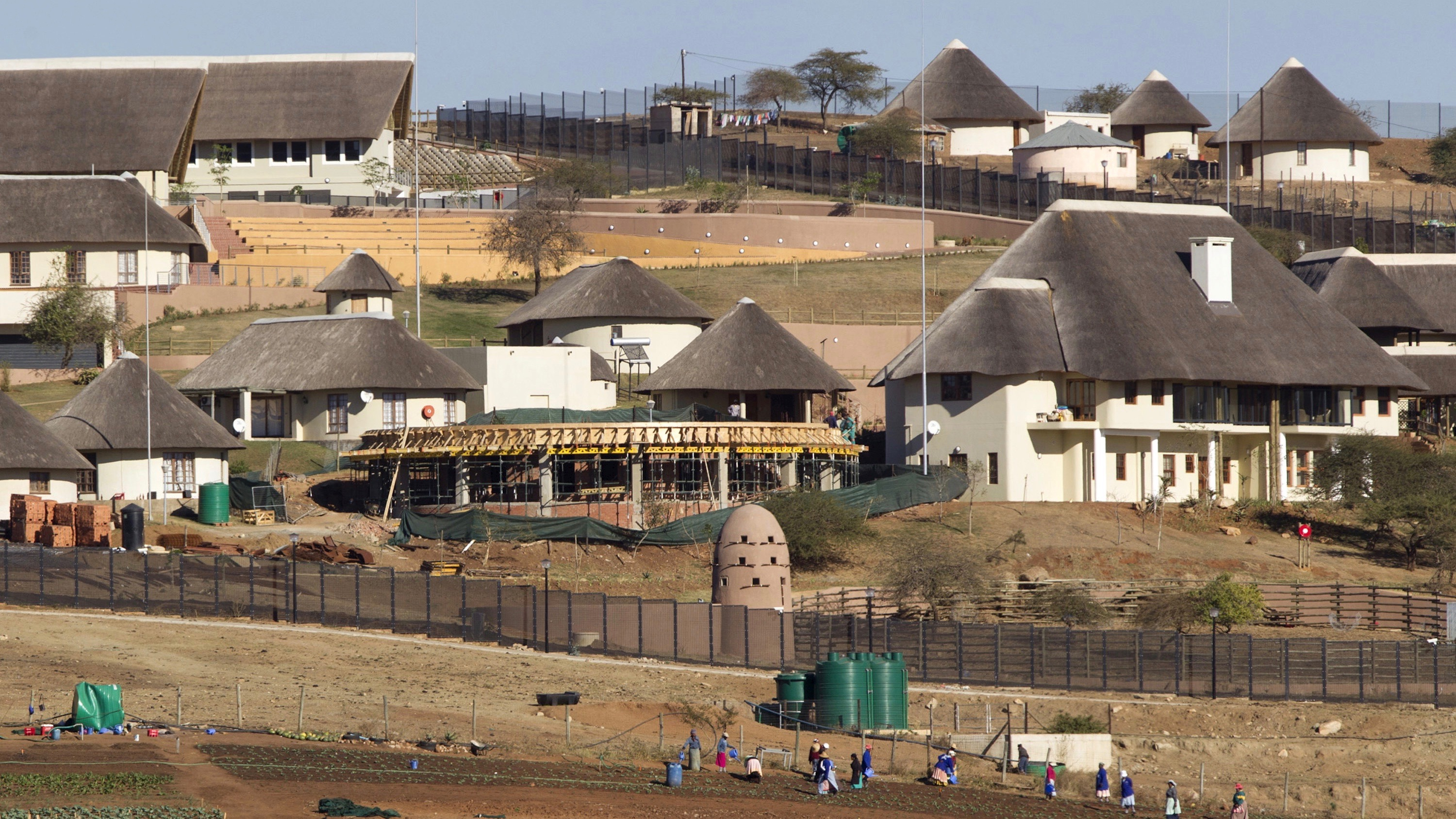 A general view of the Nkandla home  of South Africa's President Jacob Zuma in Nkandla is seen in this file picture taken August 2, 2012. REUTERS/Rogan Ward/Files       TPX IMAGES OF THE DAY      - RTSCXVW