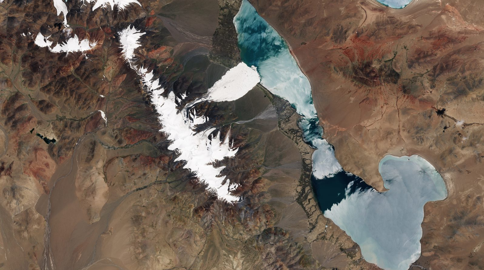 Satellite imgaes of the deadly ice avalanche in Aru Range of Tibet from NASA and European Space Agency