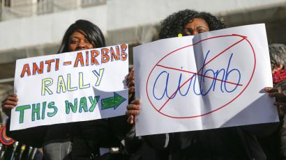 Opponents of Airbnb rally in New York.