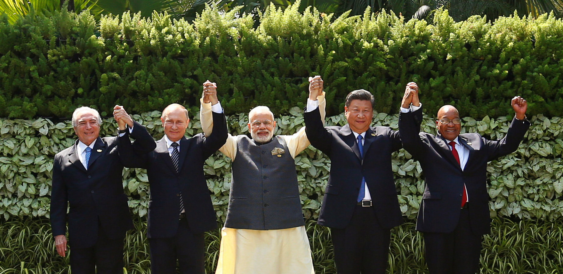 (From lef to right) President Michel Temer of Brazil, Russian president Vladimir Putin, Indian prime minister Narendra Modi, Chinese president Xi Jinping, and South African president Jacob Zuma at the BRICS Summit in Benaulim, Goa, India.