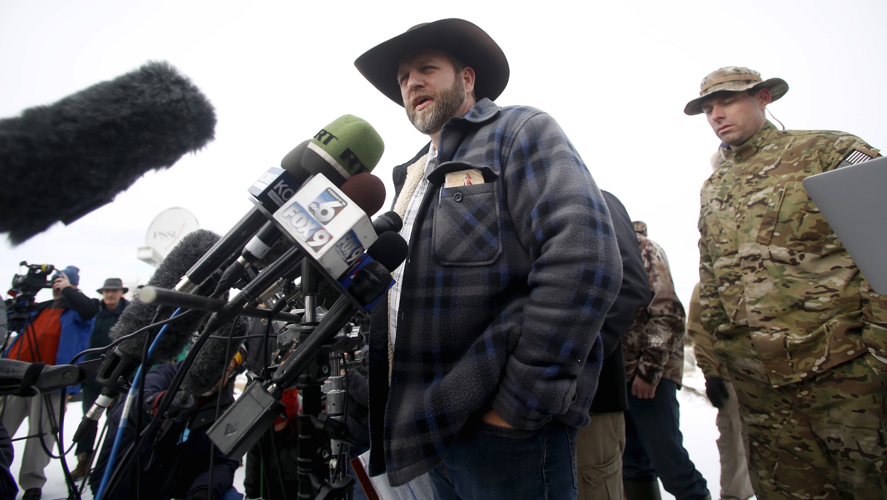 Ammon Bundy addresses the media at the Malheur National Wildlife Refuge near Burns