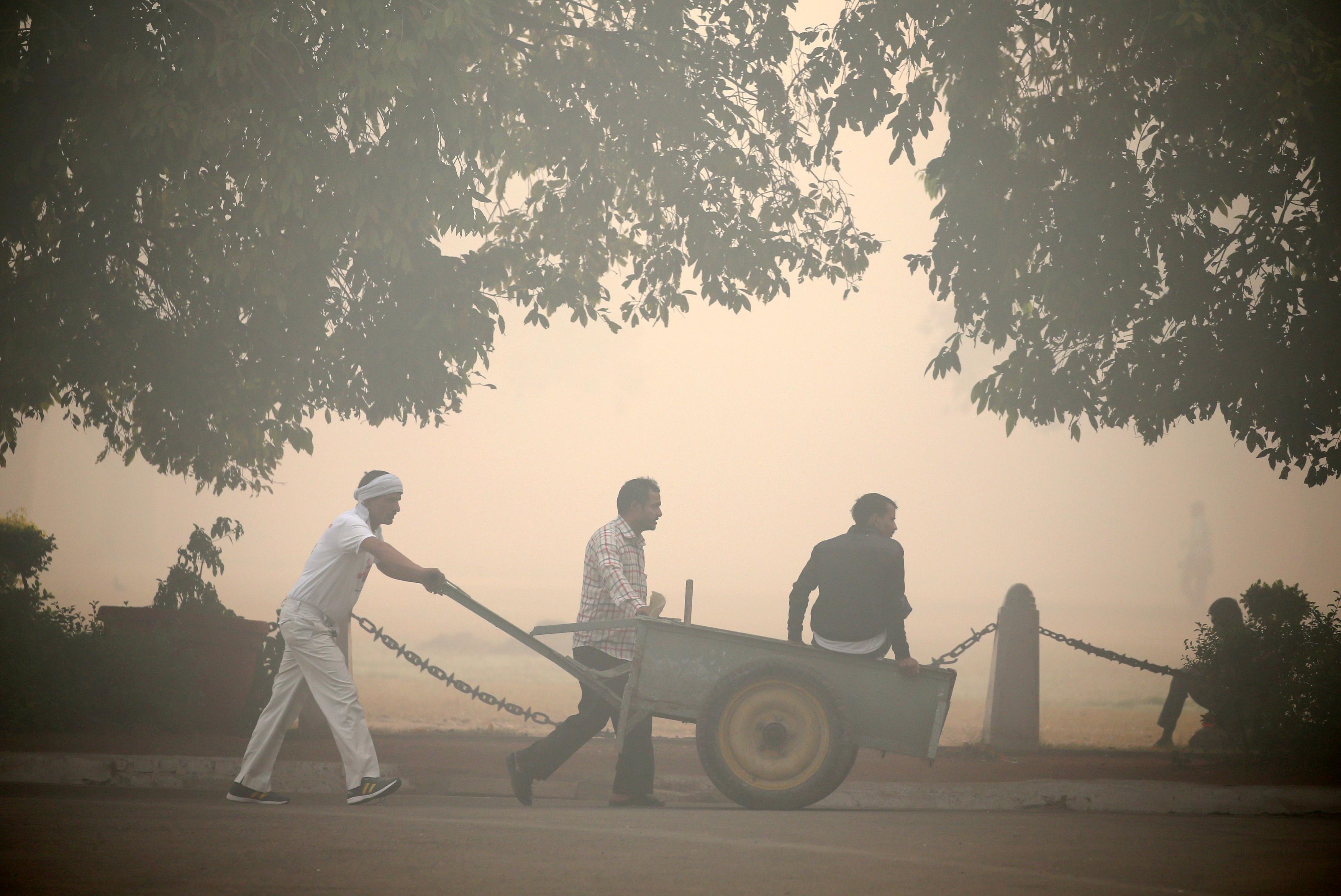 Delhi-smog-pollution