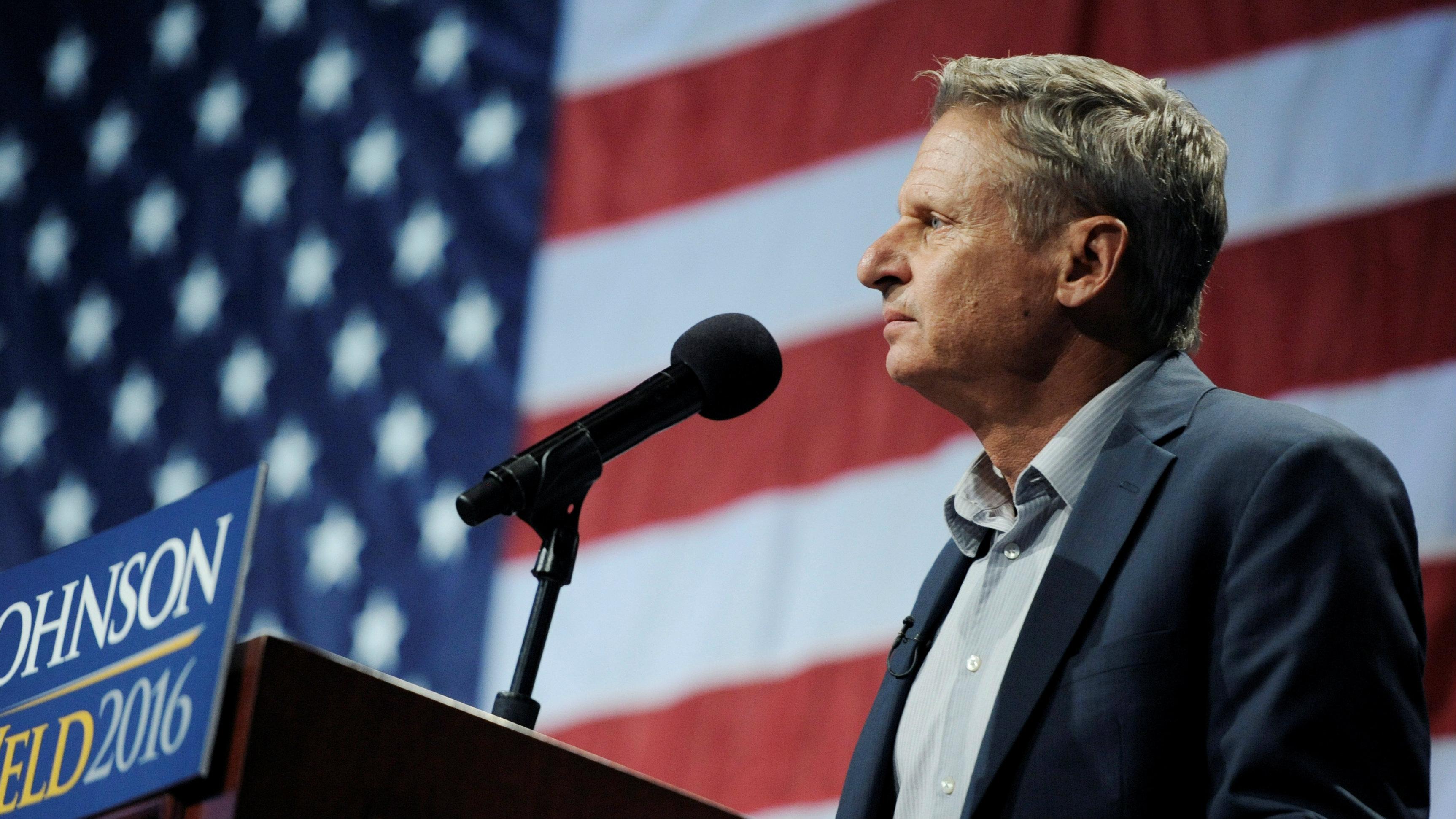 Libertarian presidential candidate Gary Johnson speaks at a rally in New York, U.S., September 10, 2016. REUTERS/Mark Kauzlarich