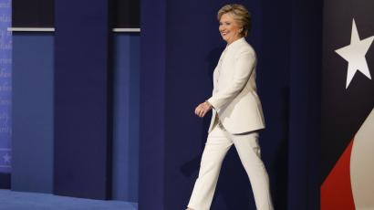 Democratic presidential nominee Hillary Clinton steps on stage to debate Republican presidential nominee Donald Trump during the third presidential debate at UNLV in Las Vegas, Wednesday, Oct. 19, 2016. (AP Photo/John Locher)