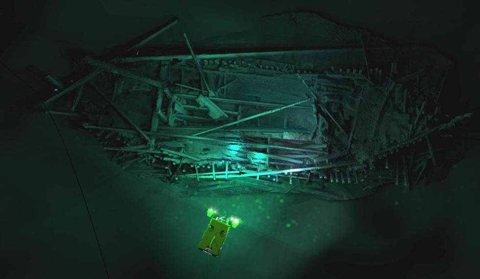 photogrammetric-model-of-the-ottoman-wreck-overlaid-with-image-of-supporter-rov_credit-rodrigo-pacheco-ruiz-jpg_sia_jpg_fit_to_width_xl