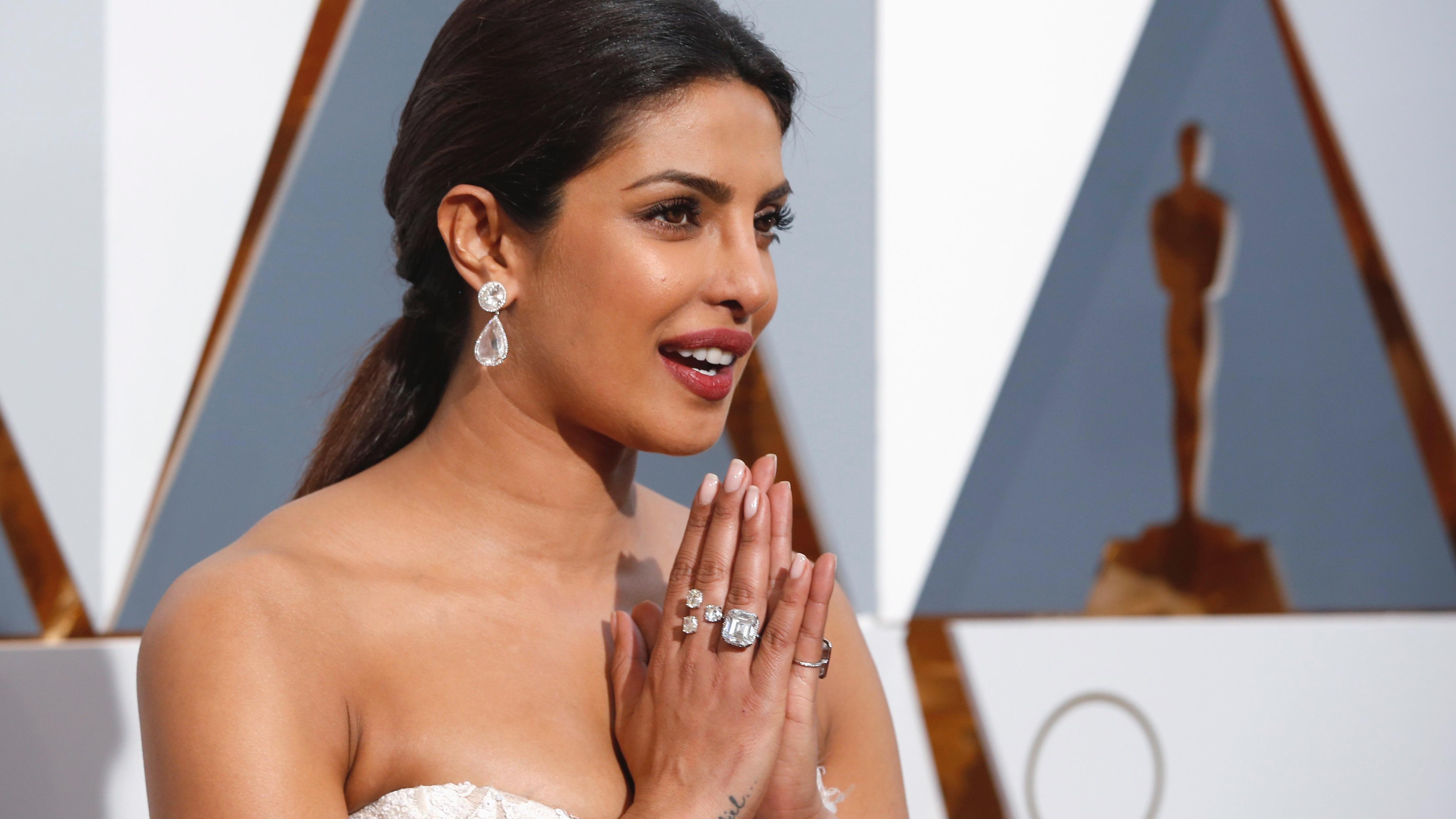 Presenter Priyanka Chopra arrives at the 88th Academy Awards in Hollywood, California February 28, 2016.  REUTERS/Adrees Latif - RTS8FM7