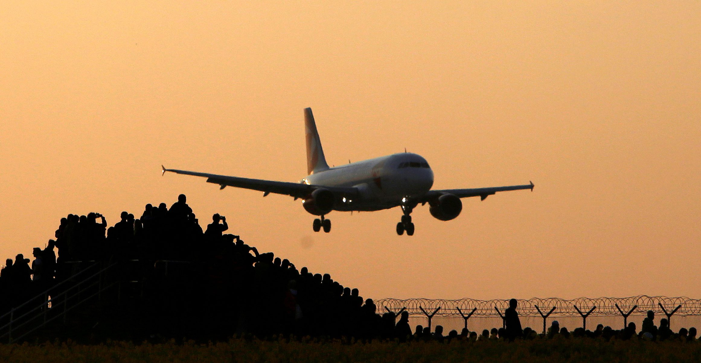 Airplane emissions deal reached.