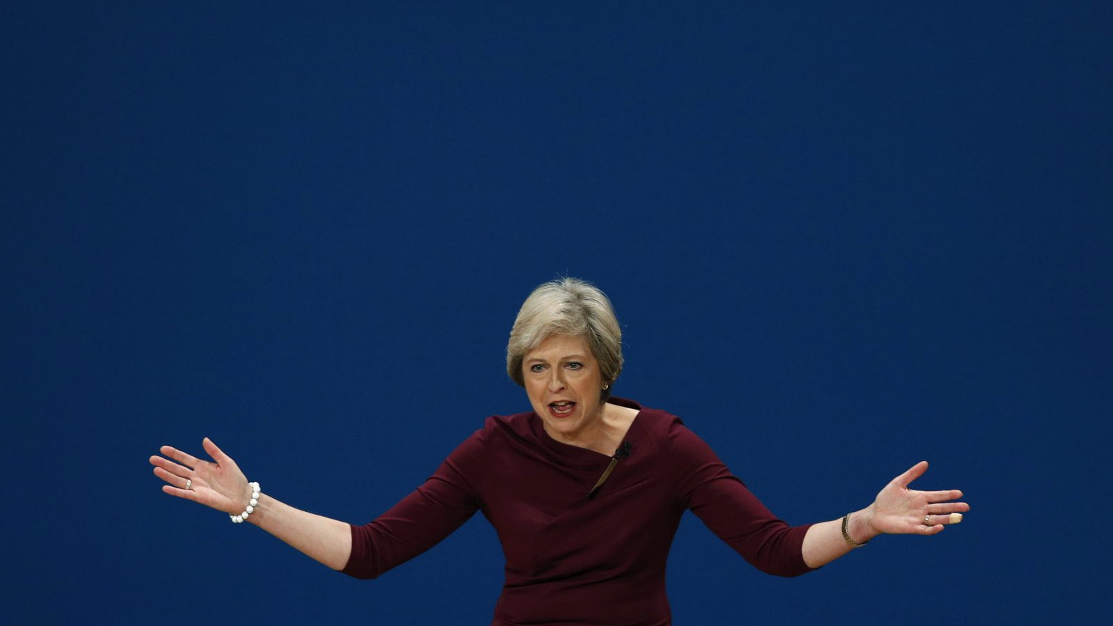 Britain's Prime Minister Theresa May gestures after giving her speech on the final day of the annual Conservative Party Conference in Birmingham, Britain, October 5, 2016.      REUTERS/Darren Staples   - RTSQUZQ