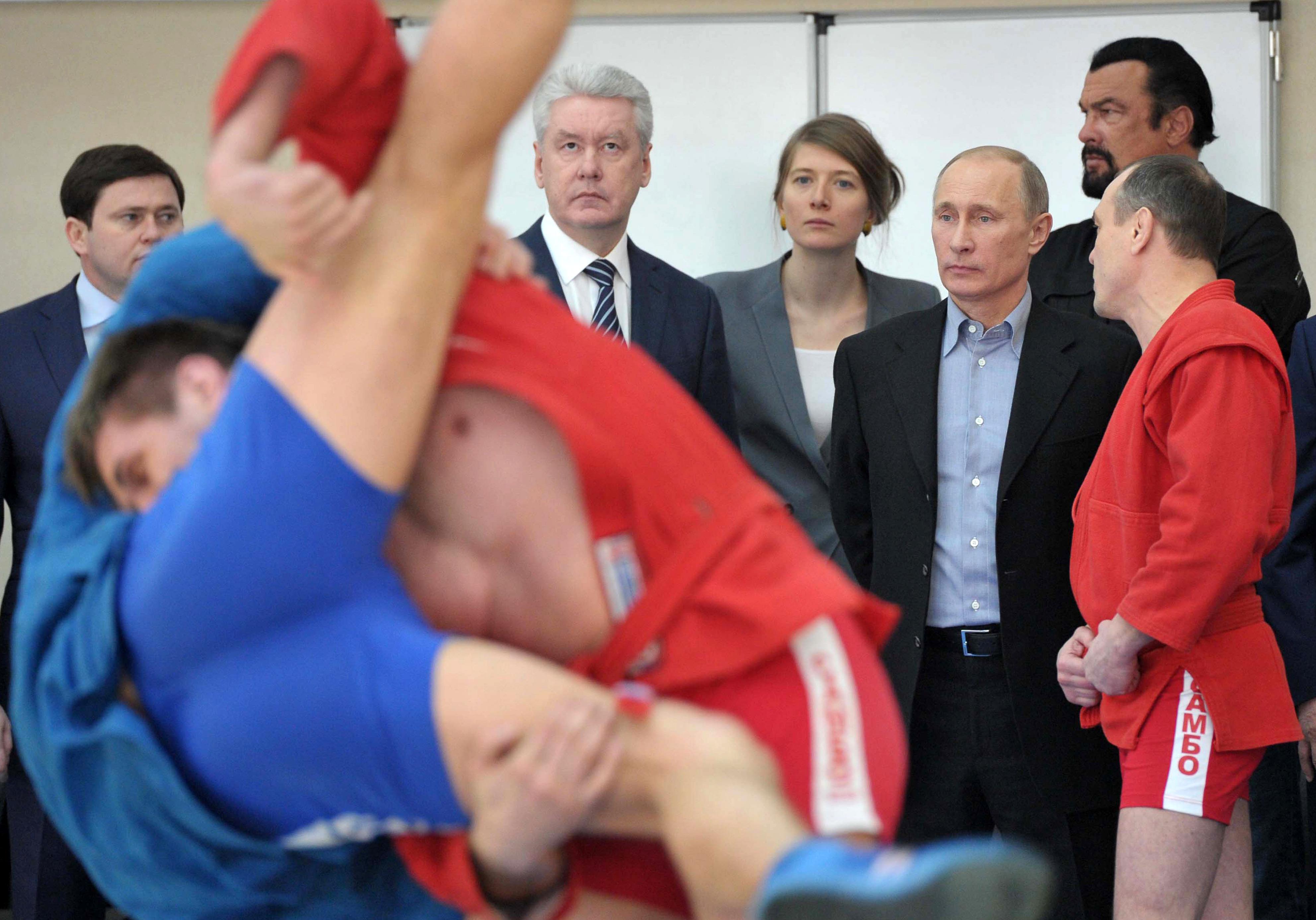 Vladimir Putin, Steven Seagal watch martial arts