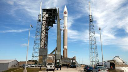 The United Launch Alliance Atlas V rocket and Orbital ATK Cygnus spacecraft stack sits on the launch pad at Cape Canaveral Air Force Station in Cape Canaveral, Fla., Monday, March 21, 2016. The cargo carrier is scheduled to launch Tuesday, March 22, and holds a commercial-quality 3D printer for astronaut as well as public use, for a price.