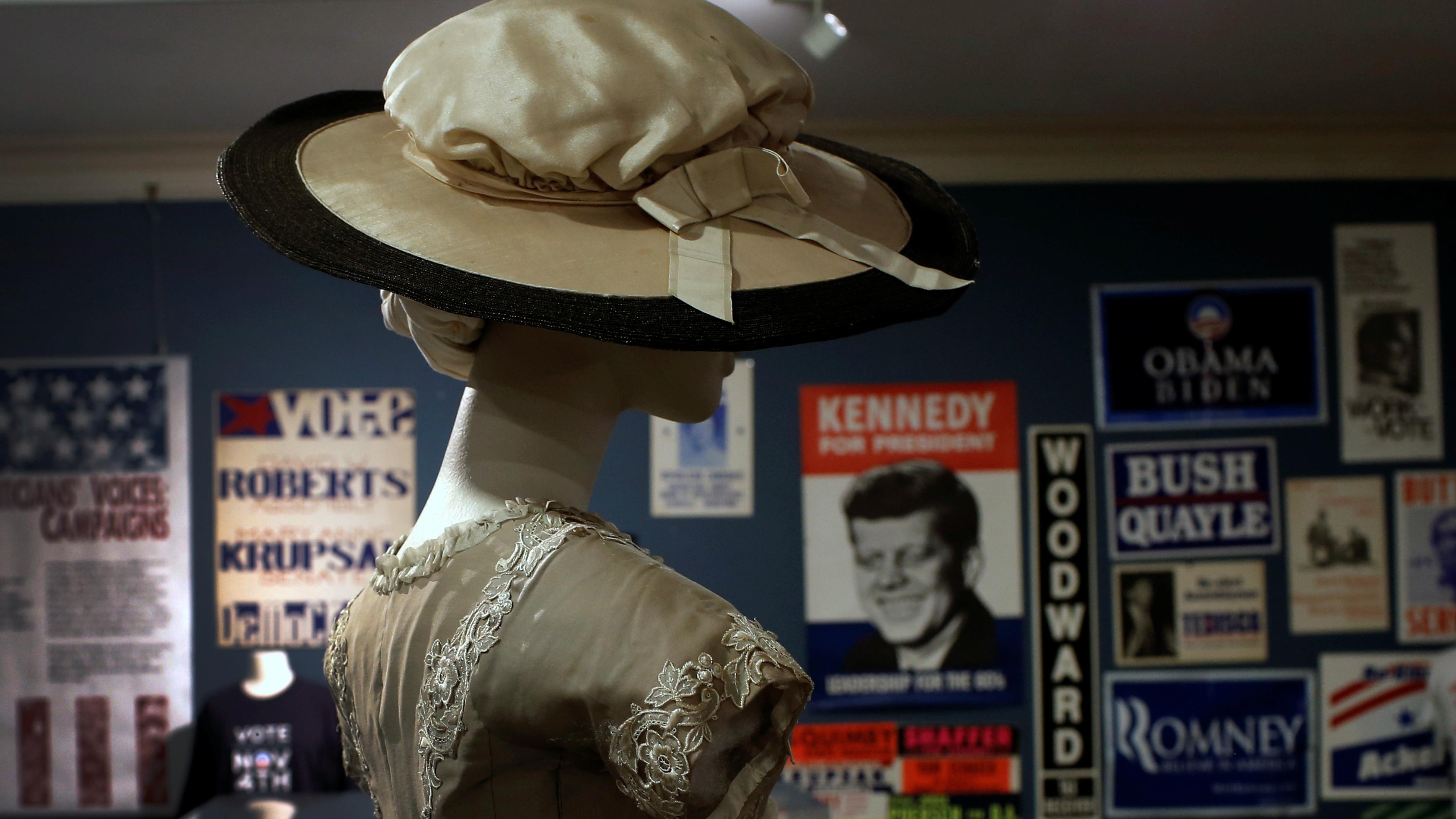 clinton-voters-women-right-to-vote-19th-amendment-mike-segar