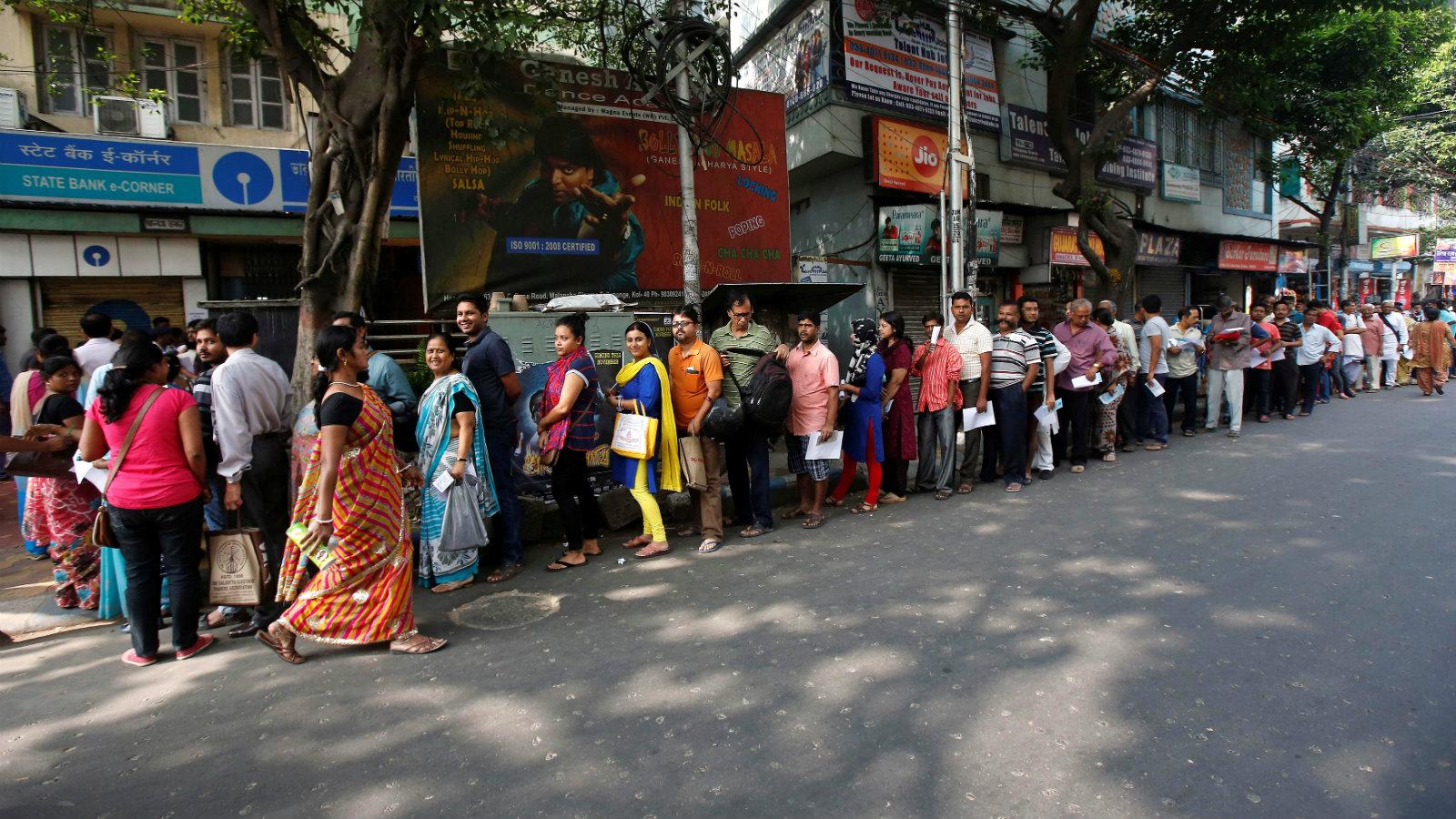 A queue to enter a bank in Kolkata, India.