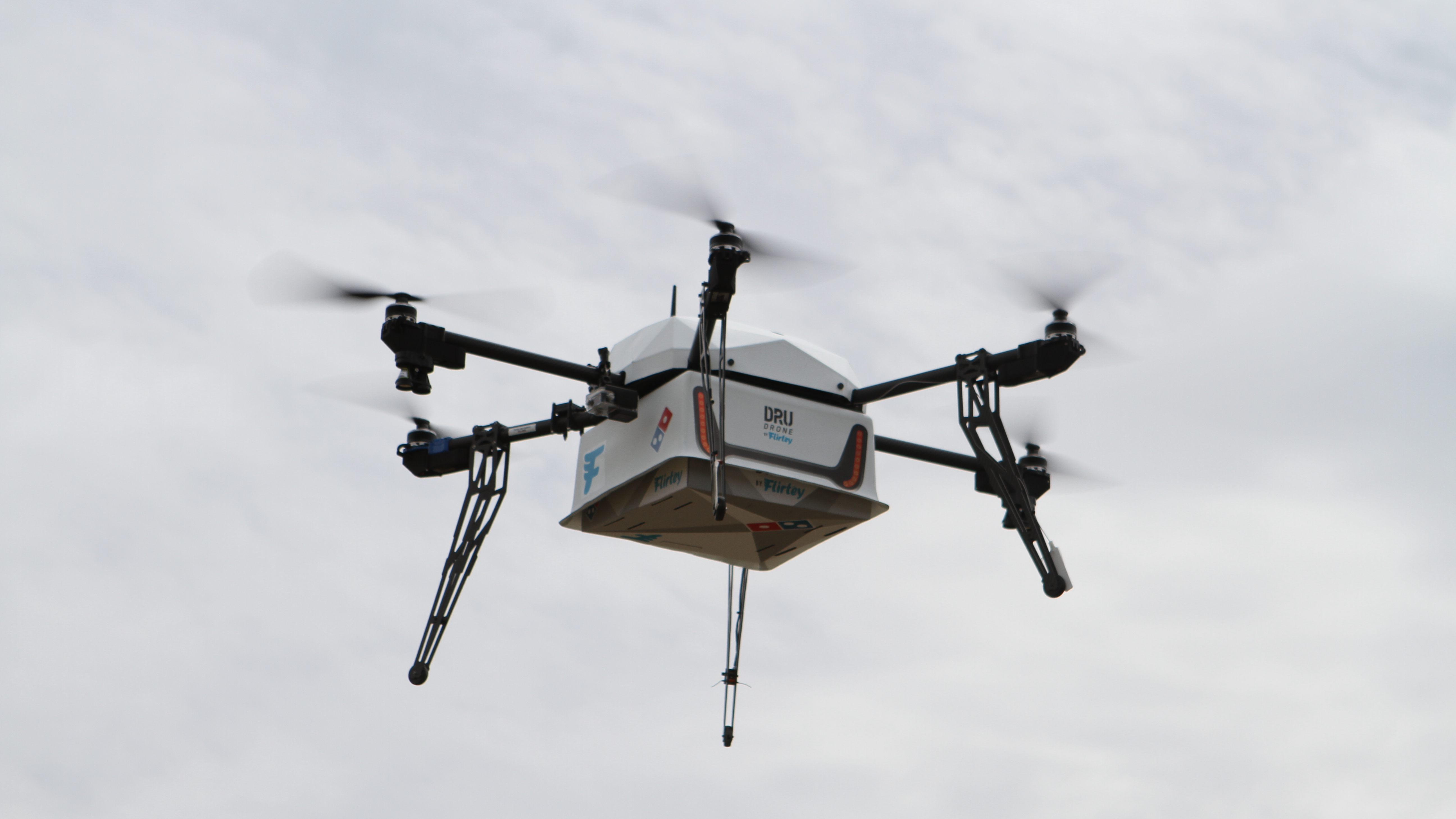 dominos-pizza-delivery-drone-by-flirtey-airborne