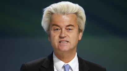 "Dutch far-right Party for Freedom (PVV) leader Geert Wilders talks during a news conference at the end of the ""Europe of Nations and Freedom"" meeting in Milan, January 29, 2016."