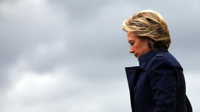 U.S. Democratic presidential nominee Hillary Clinton arrives at Burke Lakefront airport in Cleveland, Ohio U.S., October 21, 2016.