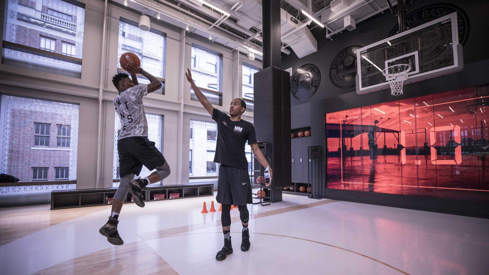 Nike S New Store In New York Has A Basketball Court Where You Can Test Drive Their Shoes Quartz