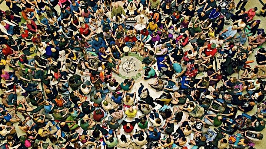 mass meditation circle
