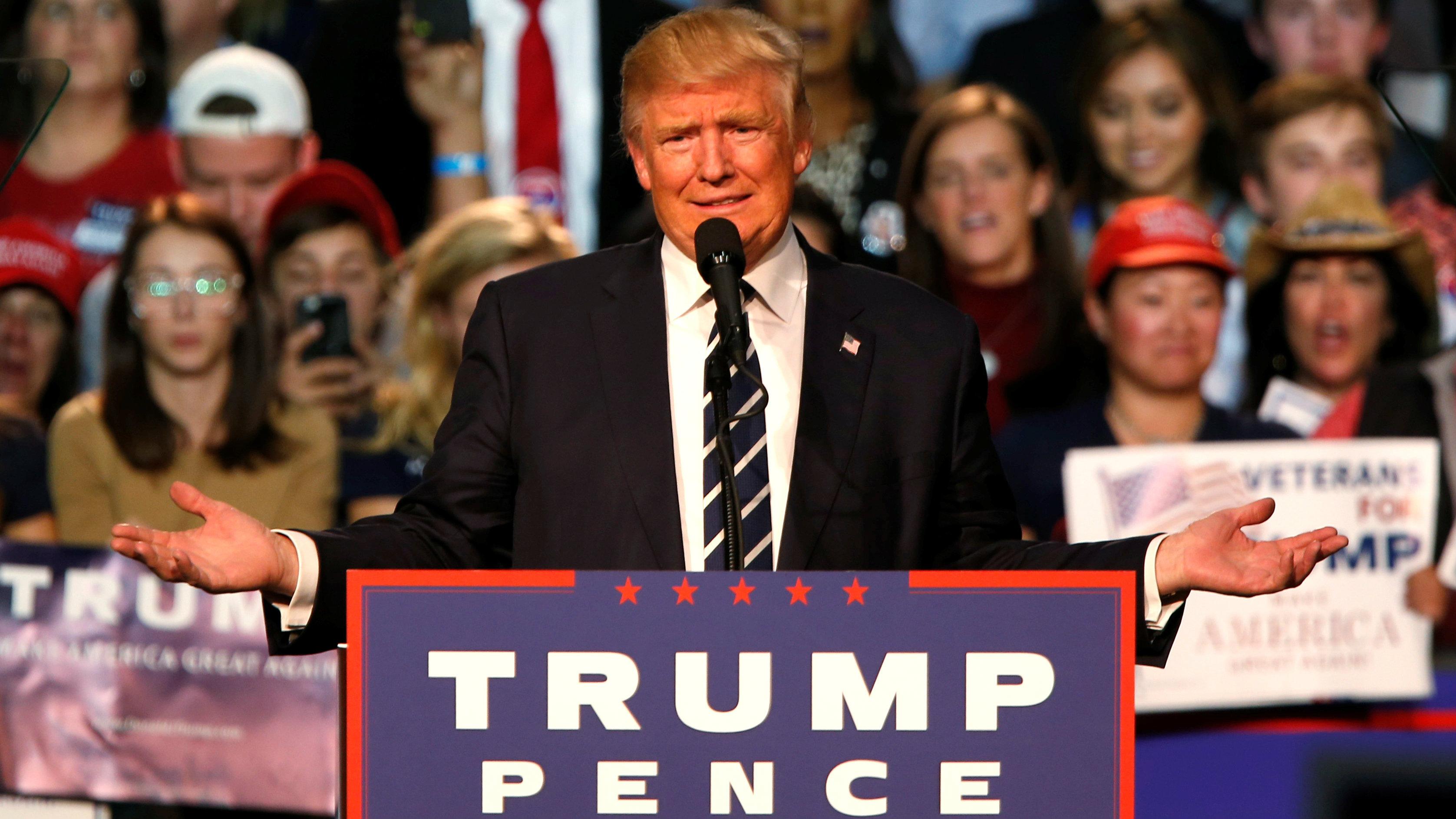 U.S. Republican presidential nominee Donald Trump speaks at his final campaign event at the Devos Place in Grand Rapids, Michigan, U.S. November 8, 2016