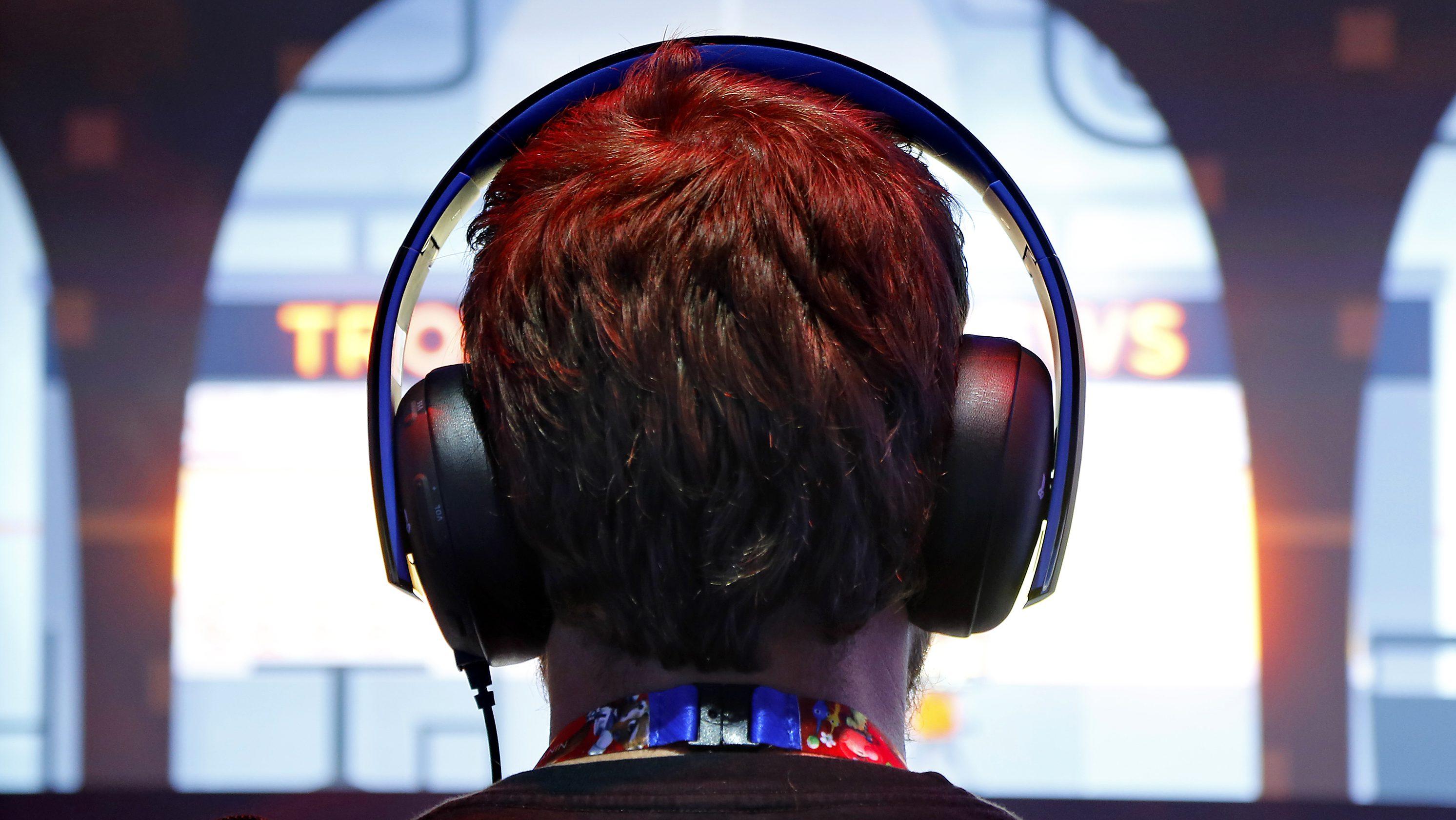 headphones noise