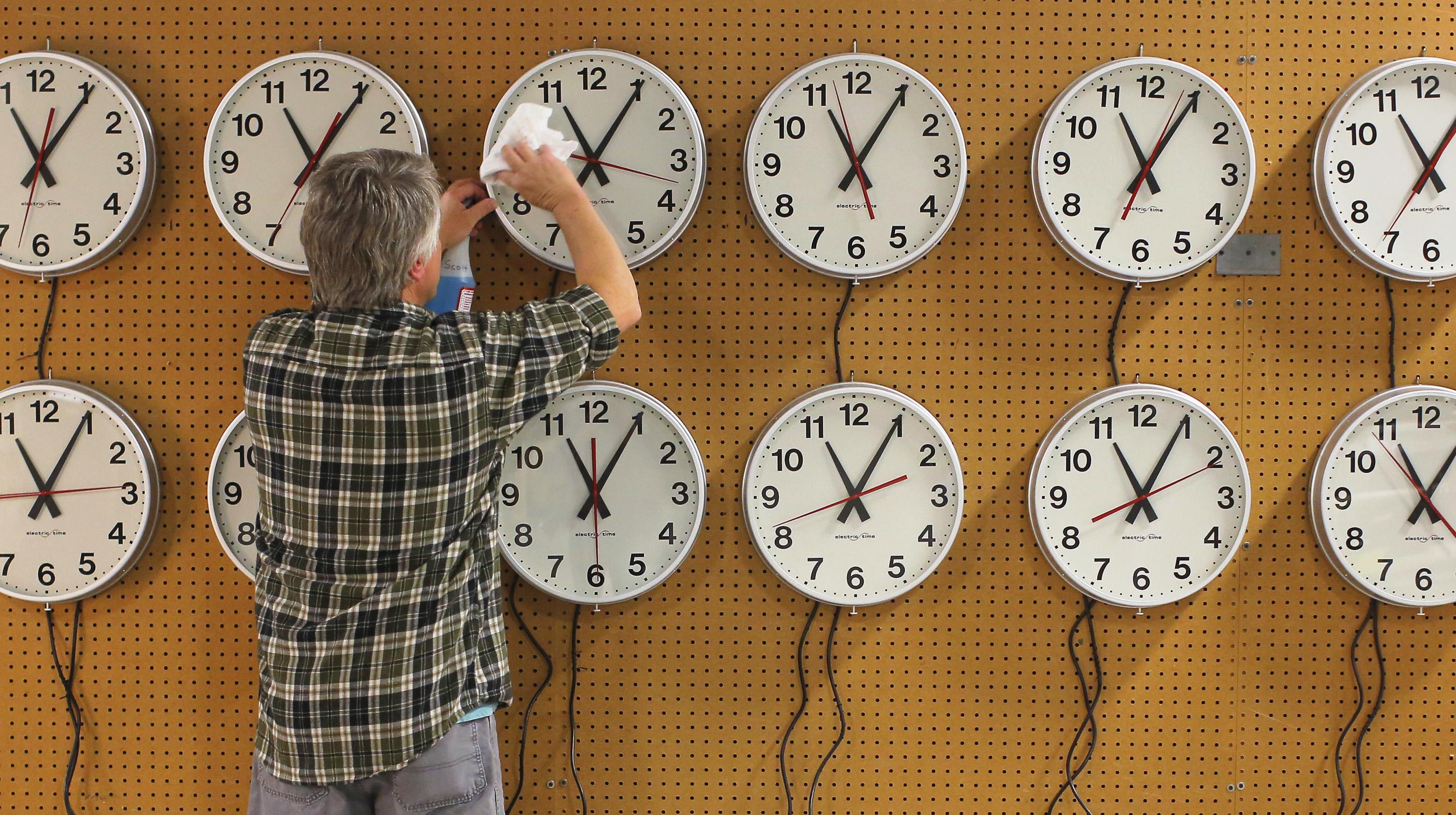 clocks DST