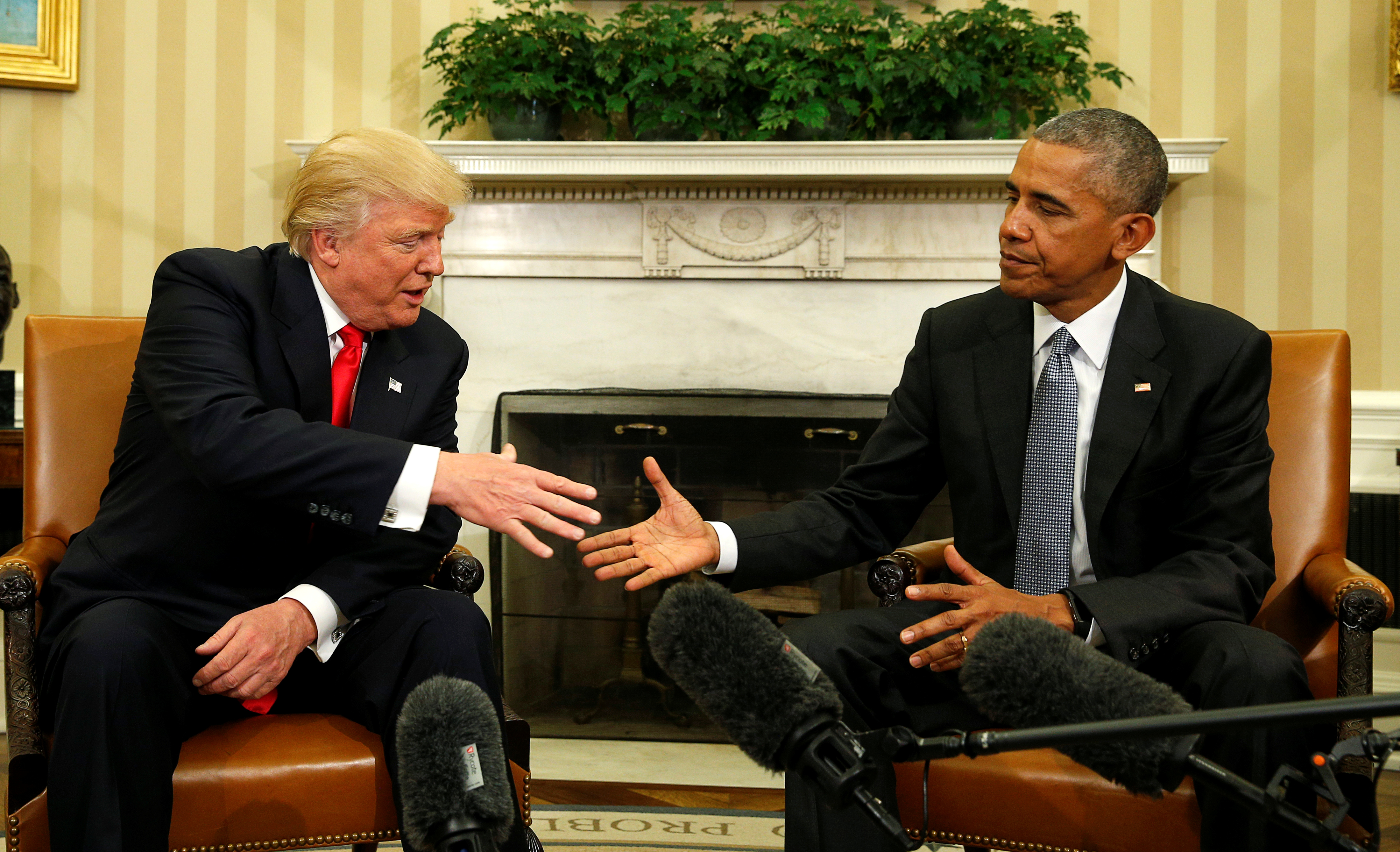U.S. President Barack Obama meets with President-elect Donald Trump in the Oval Office of the White House in Washington November 10, 2016.