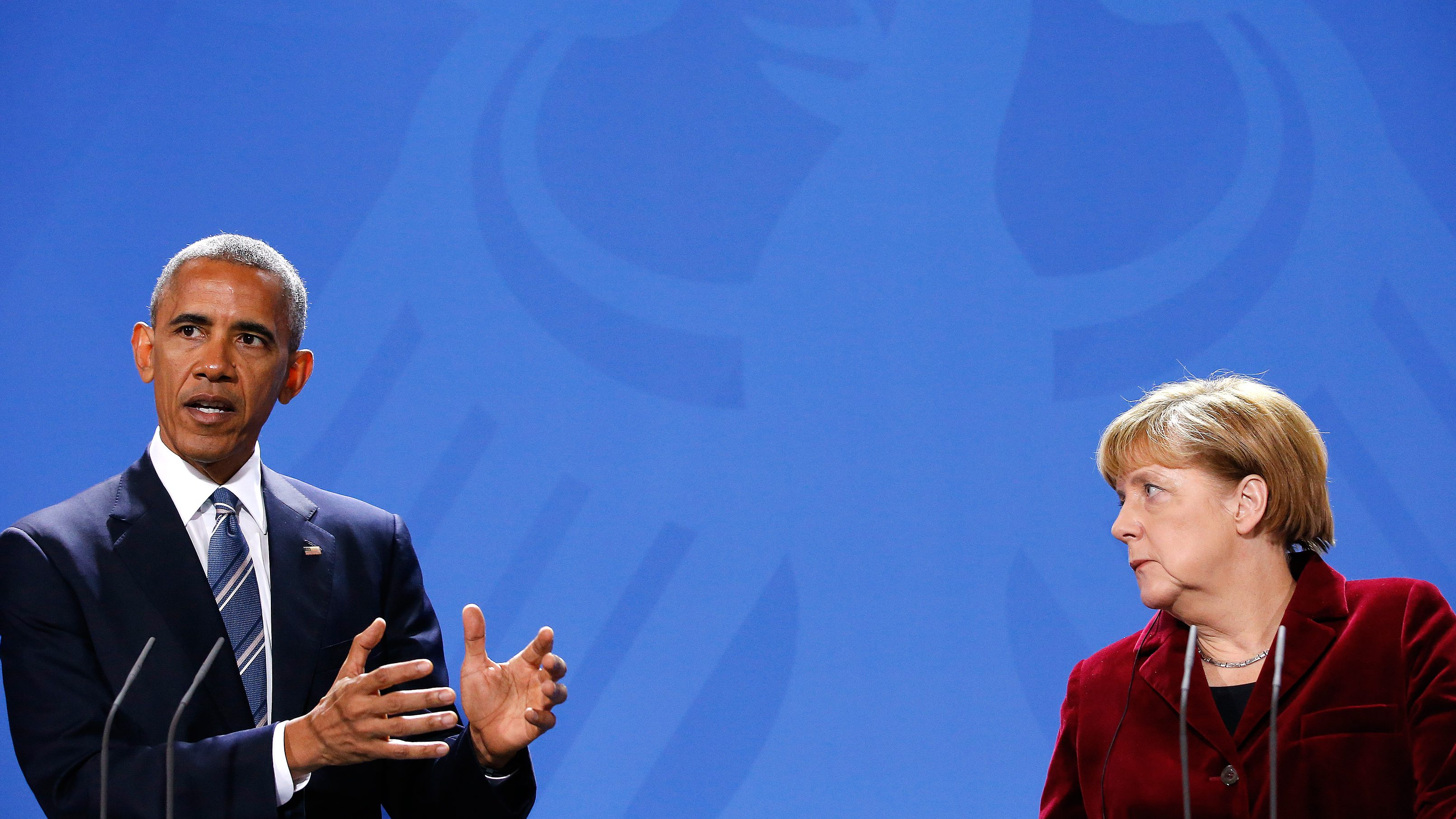 U.S. President Barack Obama speaks during a joint news conference with German Chancellor Angela Merkel in Berlin, Germany, November 17, 2016.     REUTERS/Fabrizio Bensch - RTX2U5J7